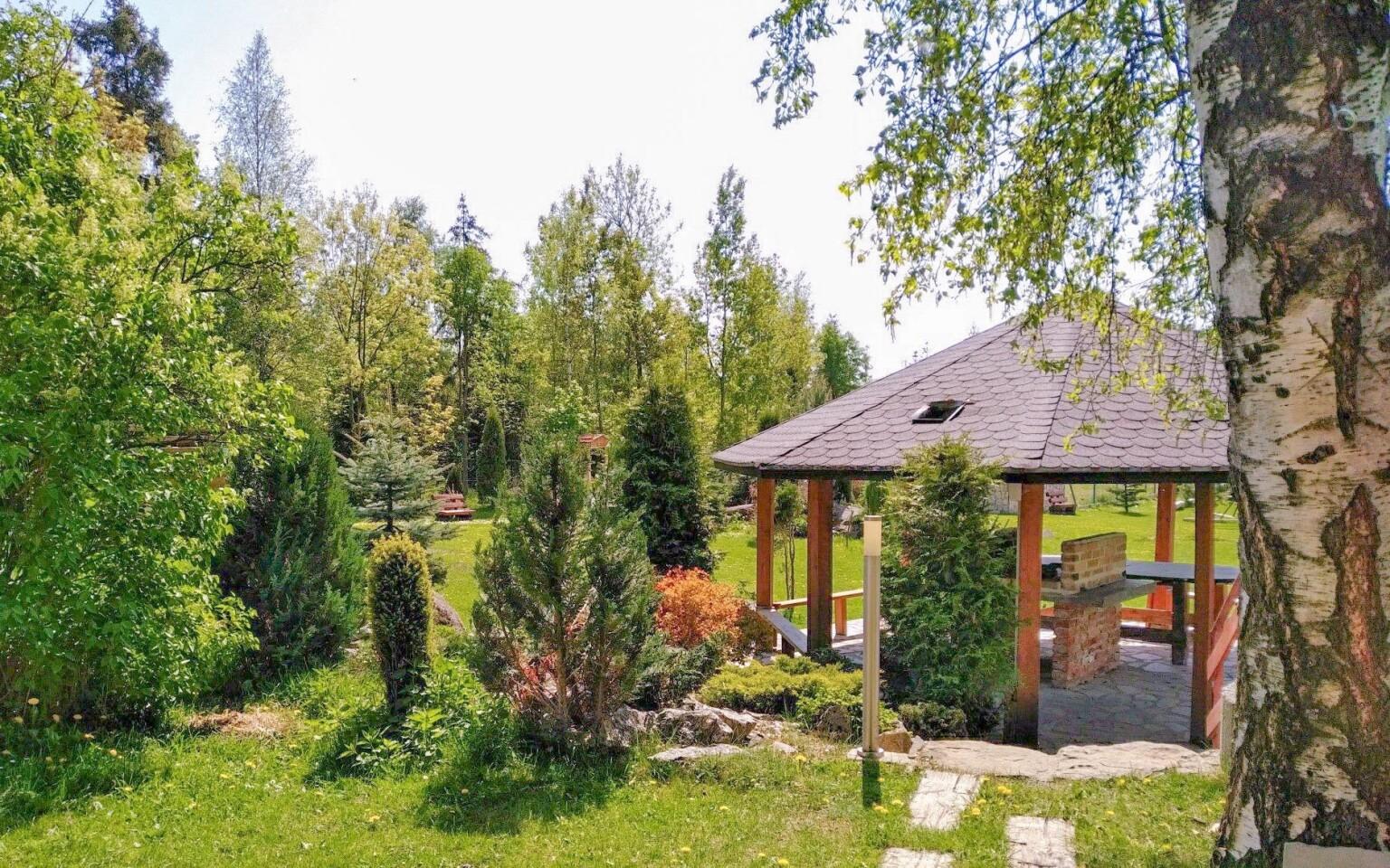 Záhrada s altánkom Penzión Monty Ranch, Vysoké Tatry