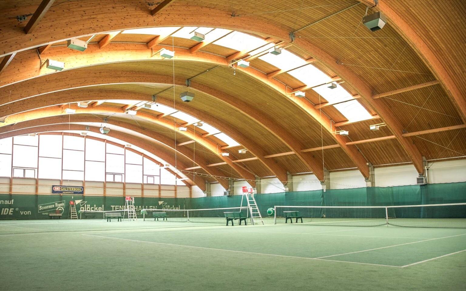Sportsarea Grimming *** má aj vnútorné tenisové kurty