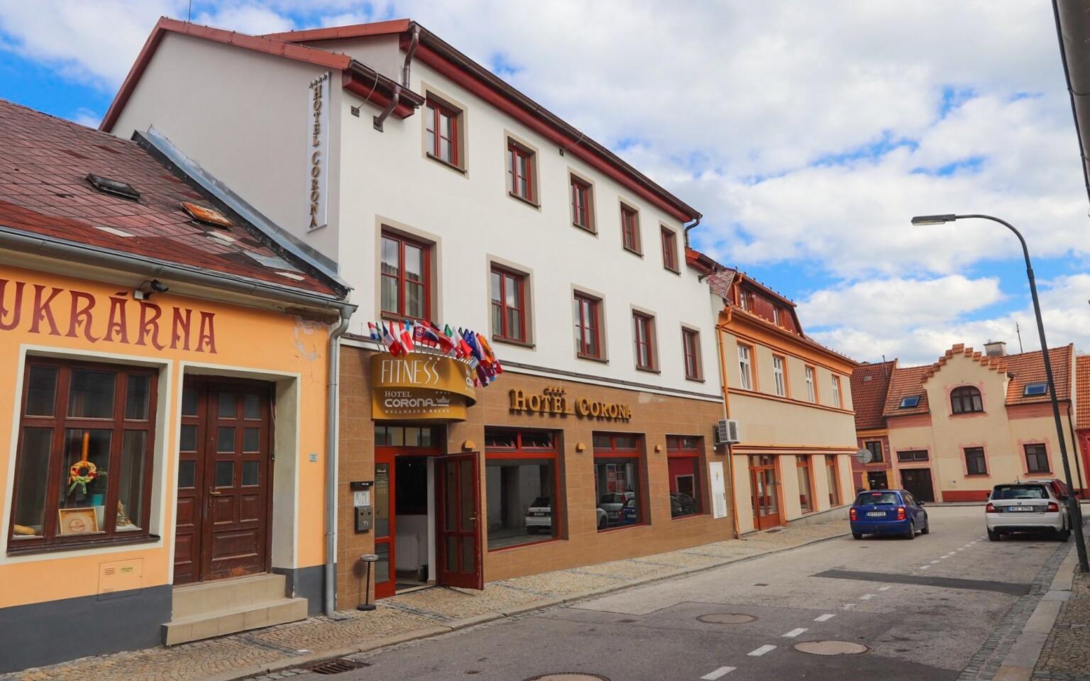 Hotel Corona najdete v městečku Kaplice, jižní Čechy