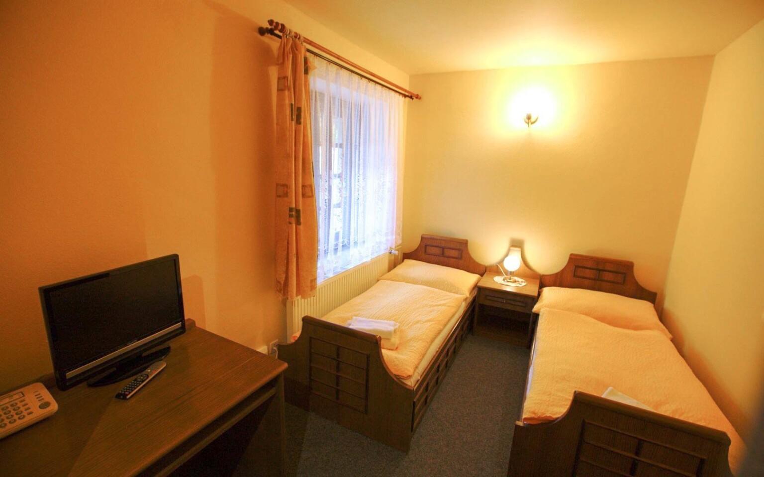 Pokoje v Hotelu Kilián jsou standardně zařízené