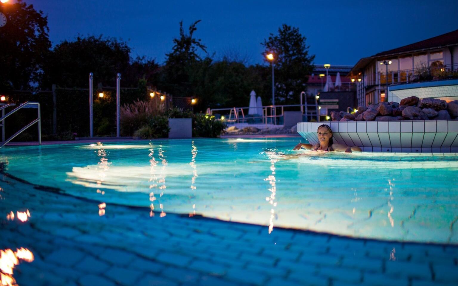 Termálne kúpele Rottal Terme Bad Birnbach (15 km)