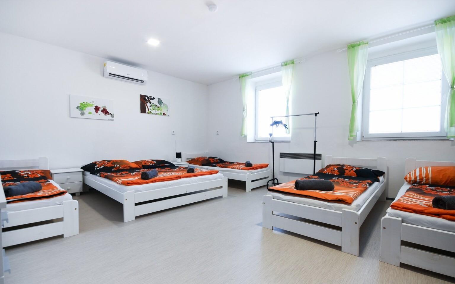 Ubytovat se můžete i ve větším apartmánu až se 6 lůžky