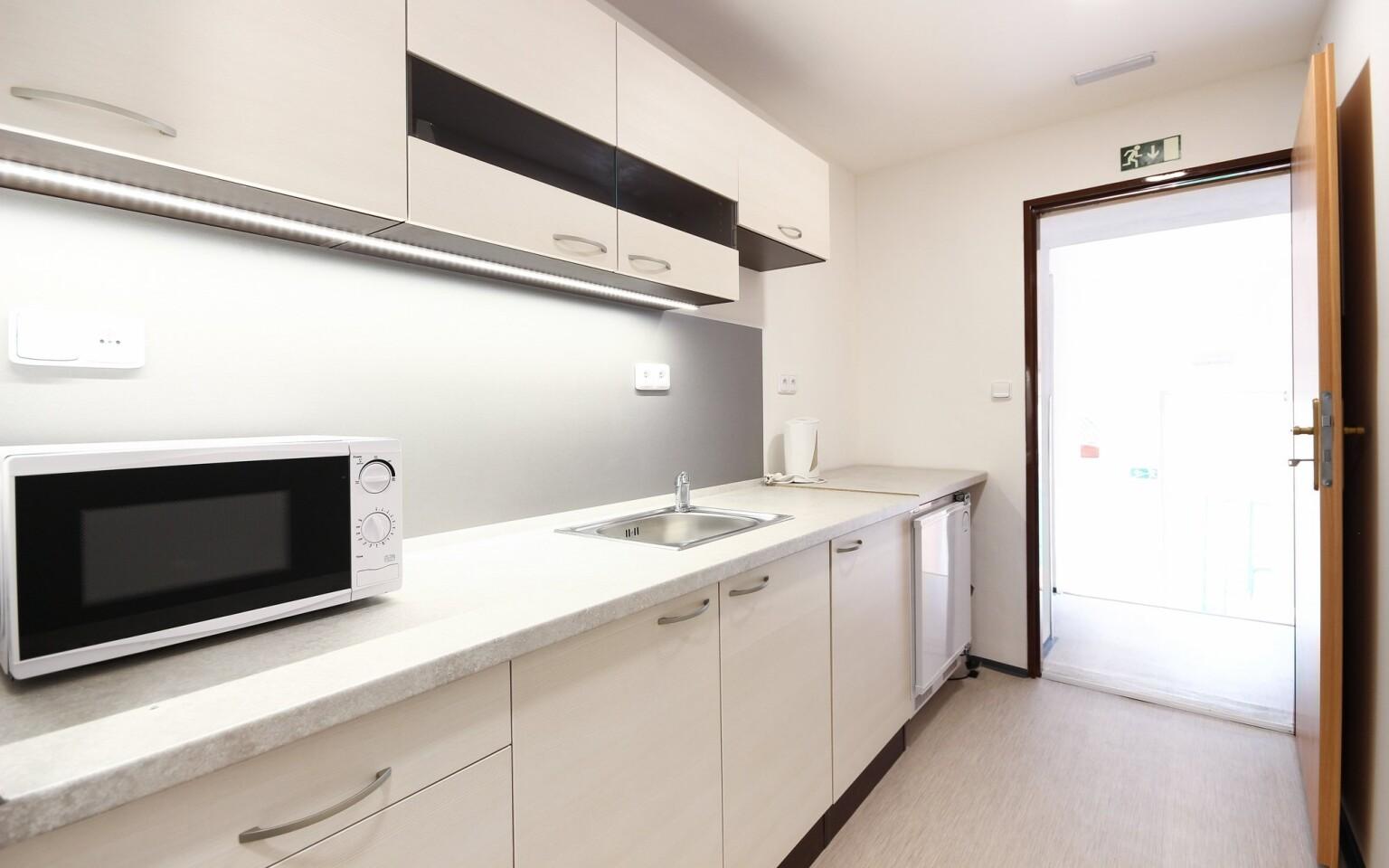 Některé apartmány mají také kuchyňku