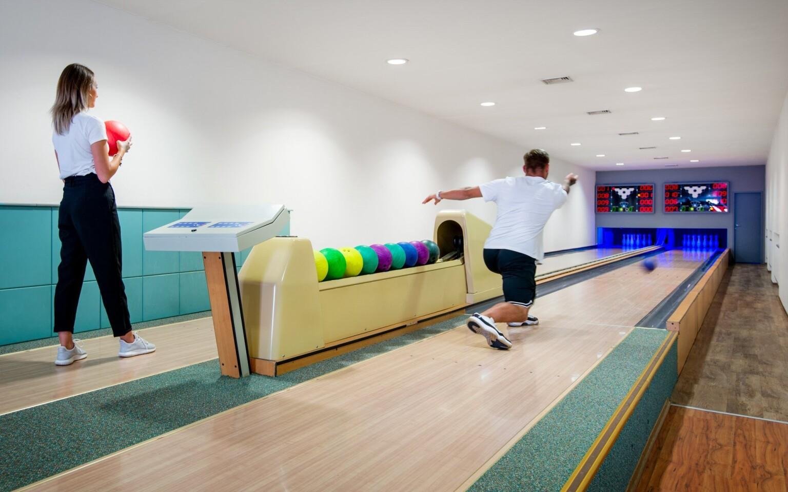 Bowling, zábava, Hotel Bon, Tanvald, Jizerské hory
