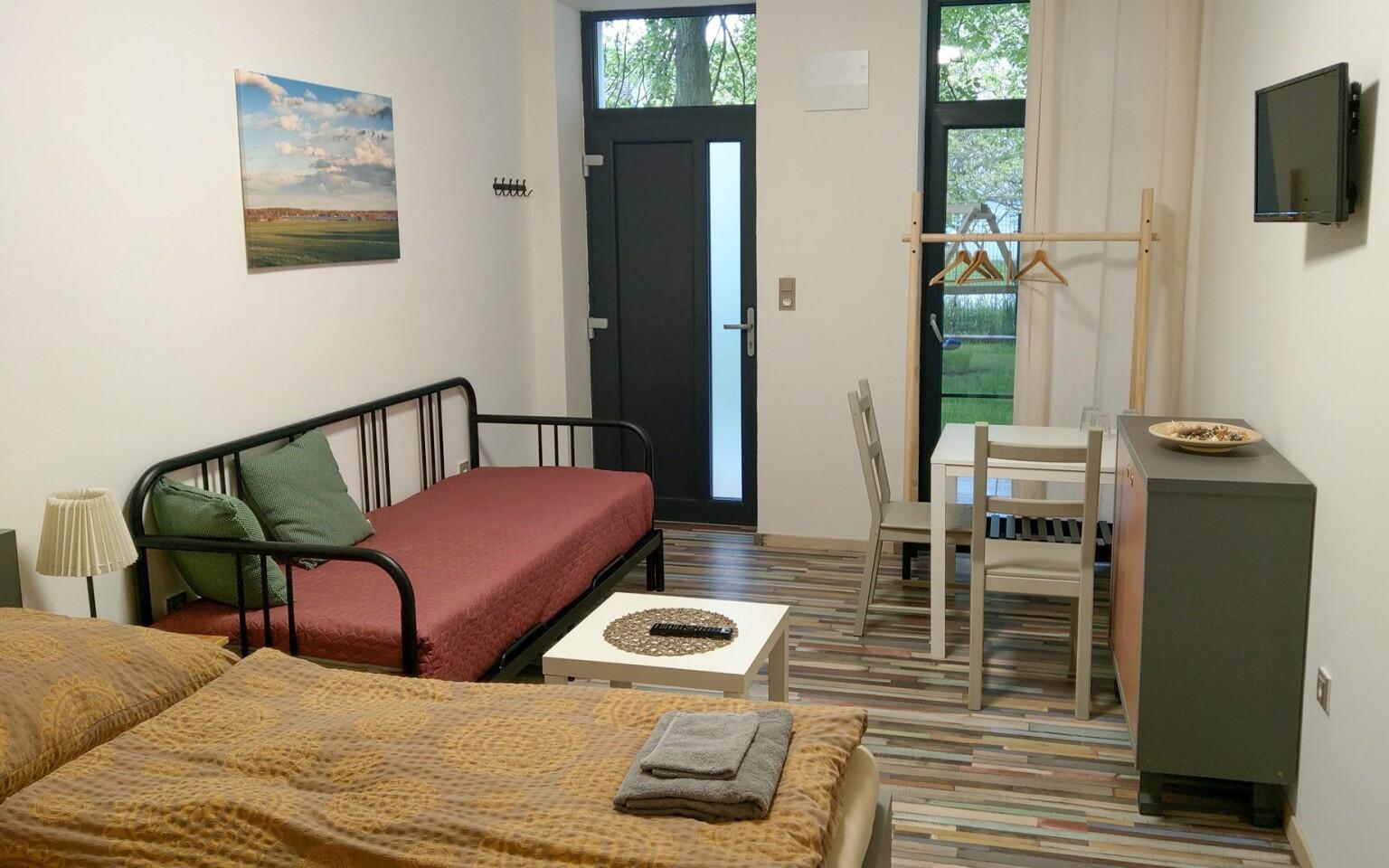 Ubytovaní budete v priestranných apartmánoch s kuchynkou