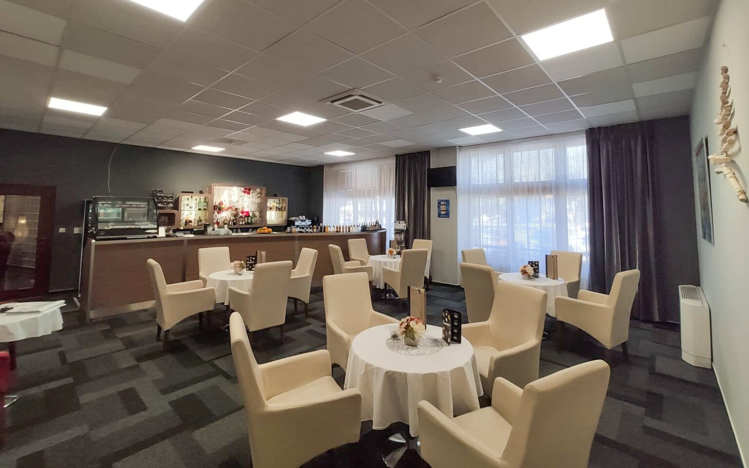 Lobby Bar, káva, reštaurácia, Wellness Hotel Patince ****