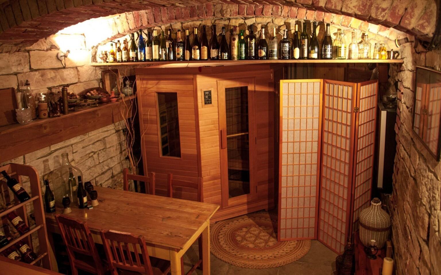 Vinárnička v Pensióne U Háje, Nedošín, Litomyšl