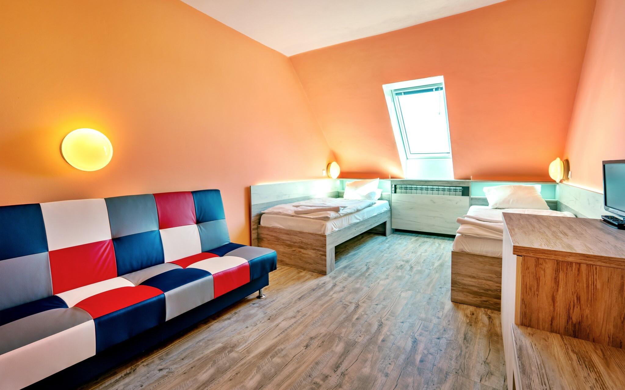Pokoje jsou pohodlně zařízené, Hotel N, Znojmo