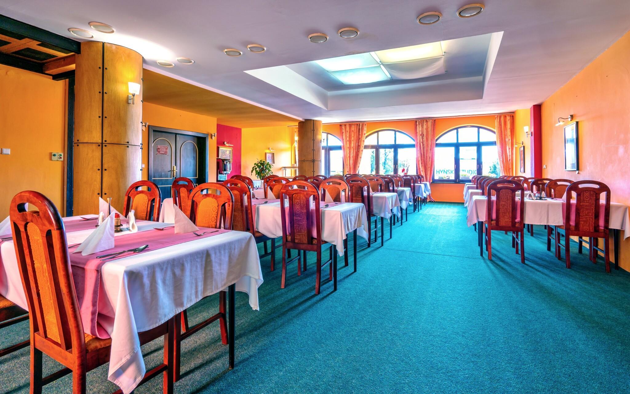 Na polopenzi si pochutnáte v restauraci Hotelu N