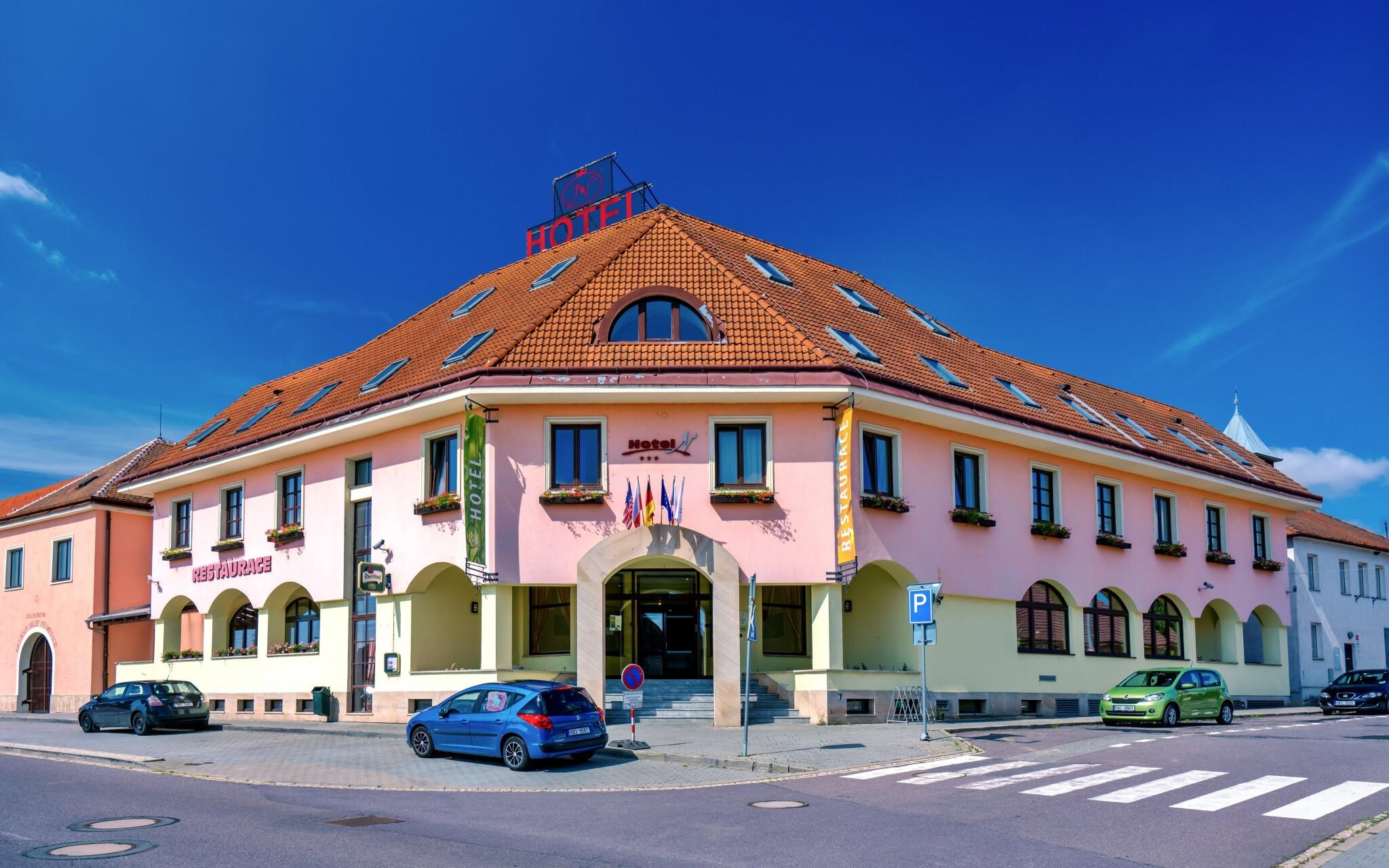 Hotel N *** stojí na okraji Znojma