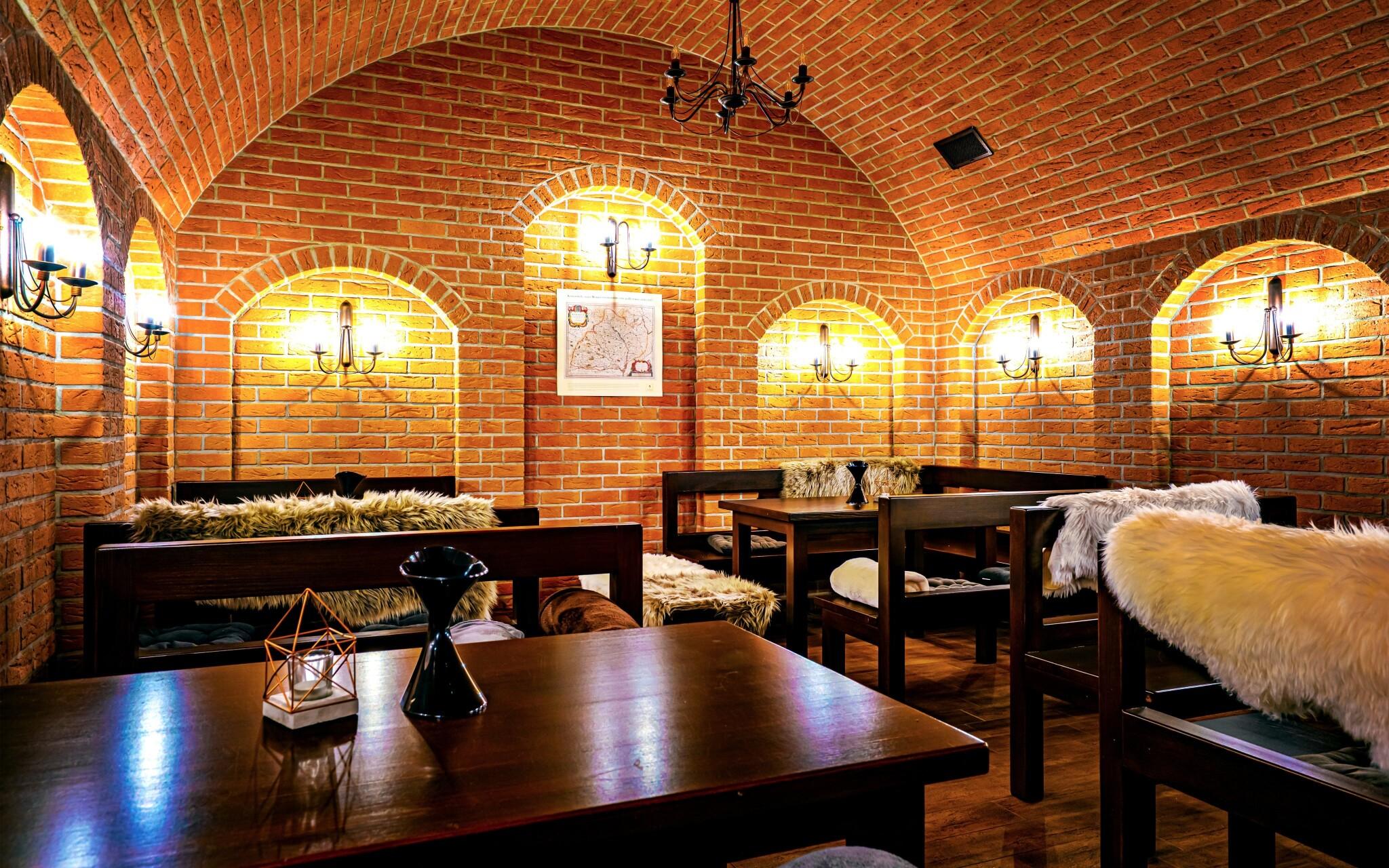 Vínna galéria, degustácia vín, Hotel Lidový dům ***
