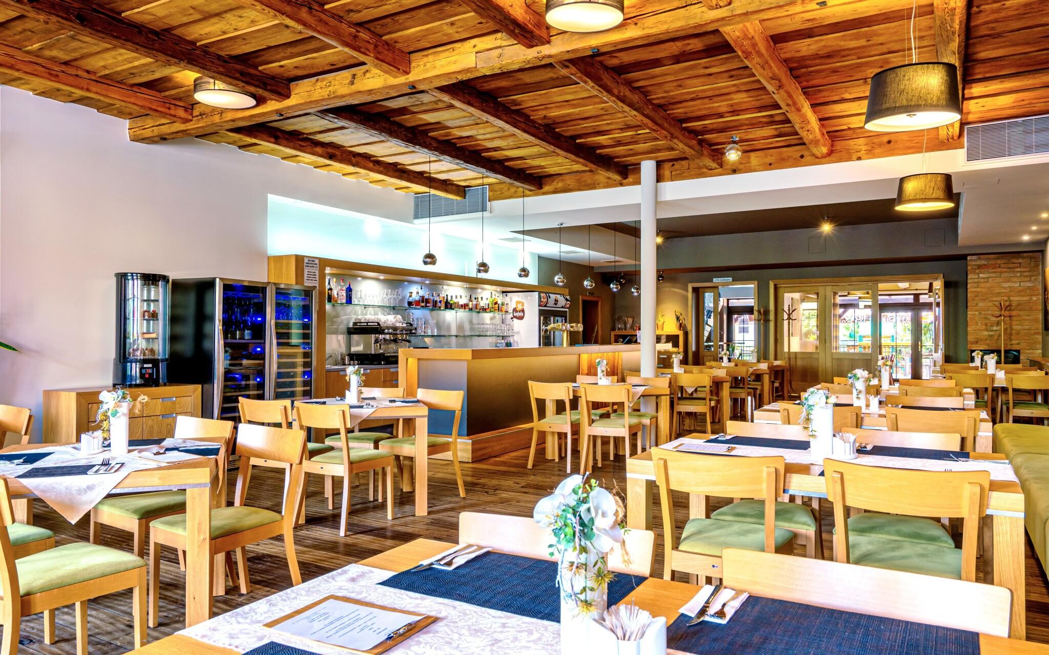 Reštaurácia, Hotel Lidový dům***, Bzenec, Slovácko