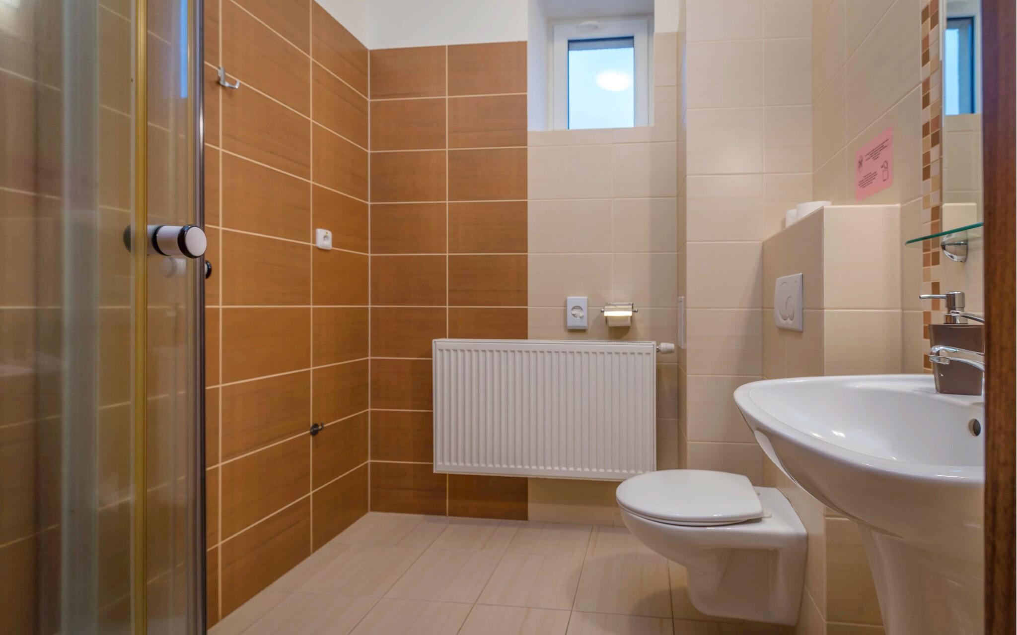 Malé studio pro dvě osoby, koupelna