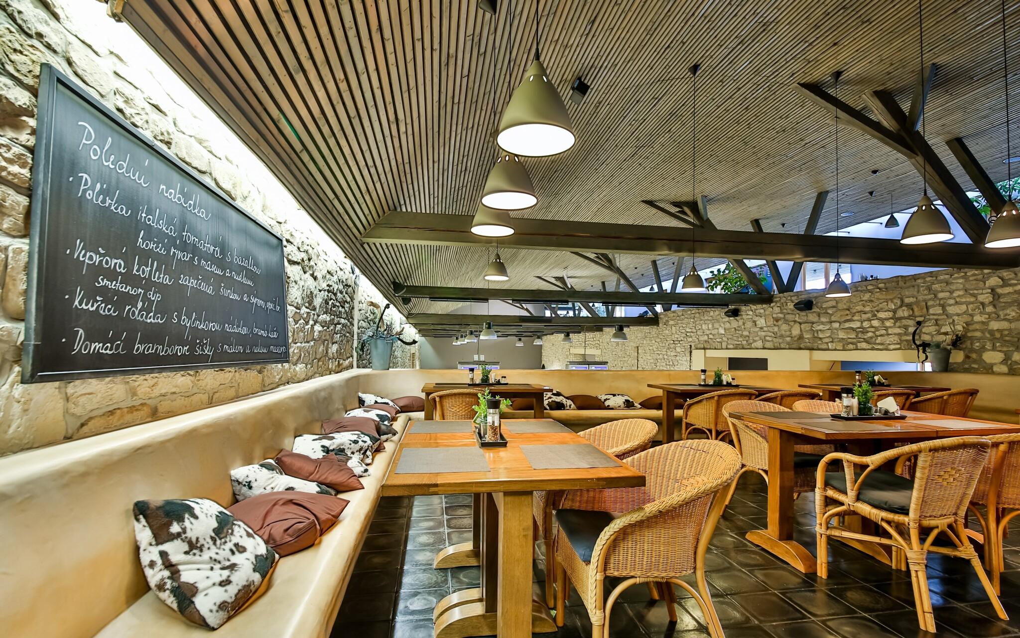 Útulné interiéry a reštaurácie Relax parku Modrá stodola