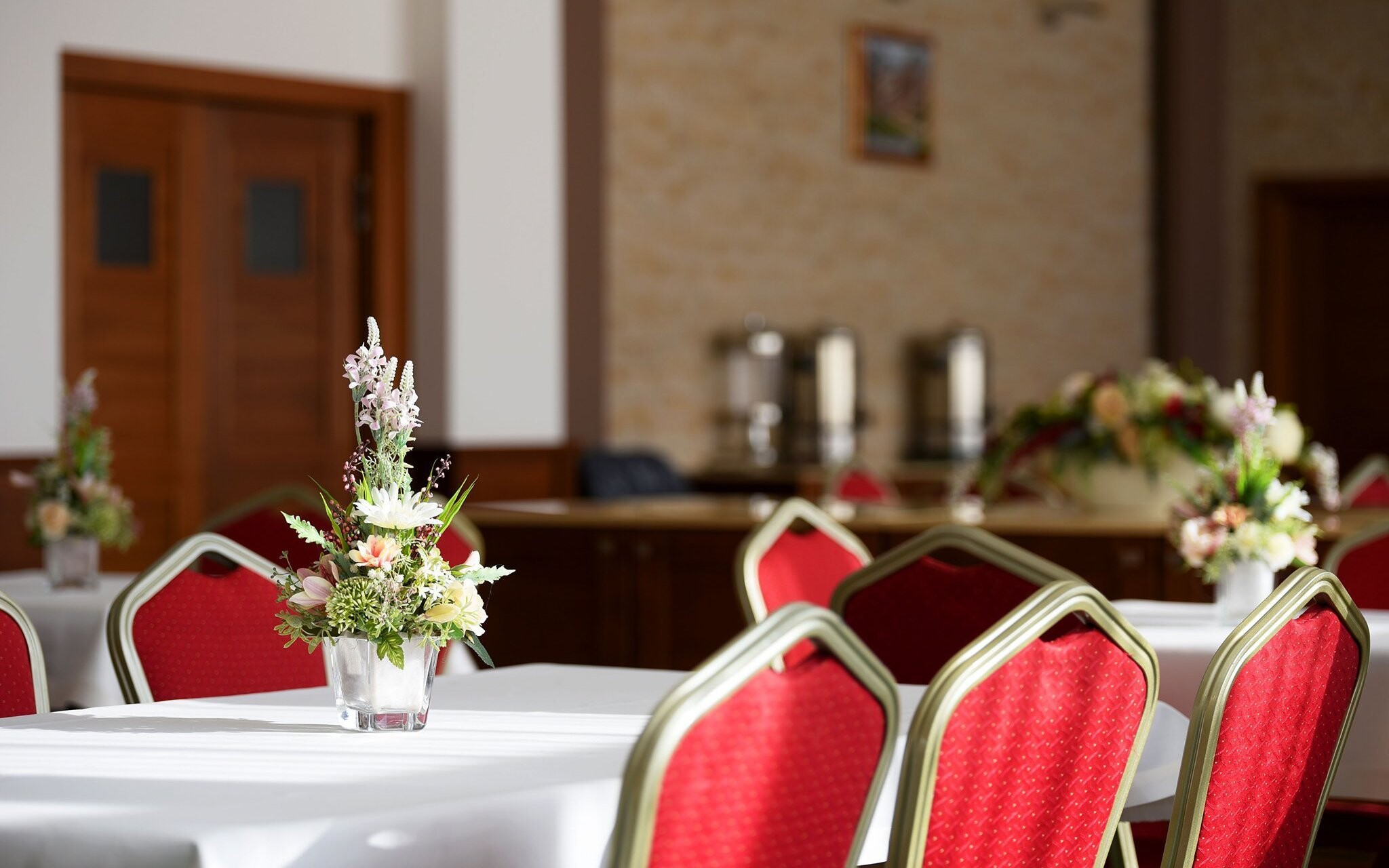 Hotelová reštaurácia, polpenzia v Hoteli Lesana ***