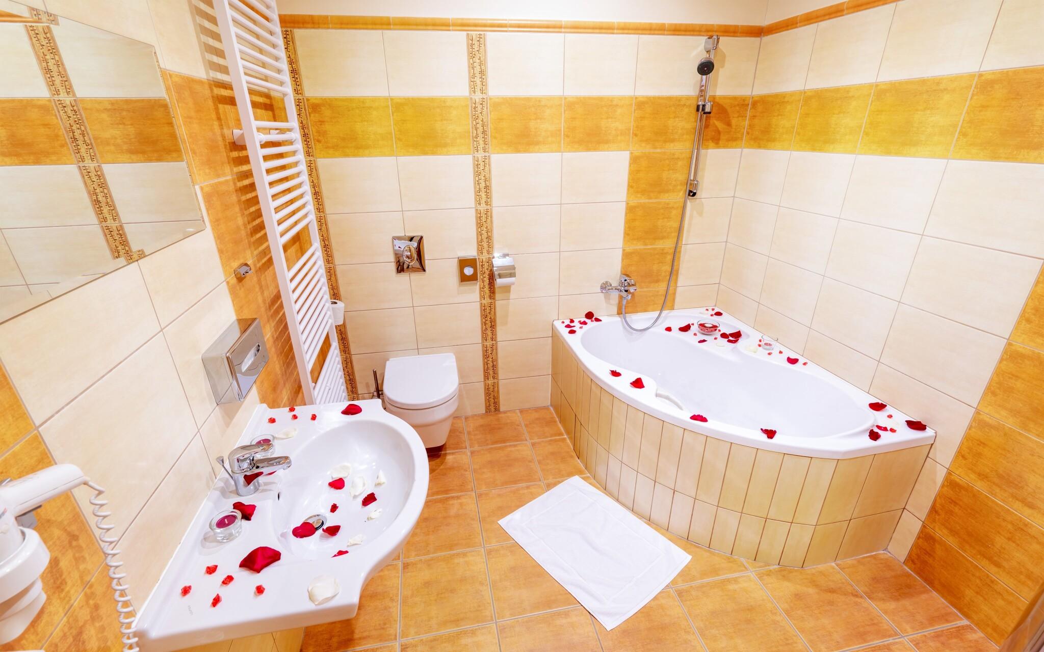 Moderní koupelna v Hotelu Slovan