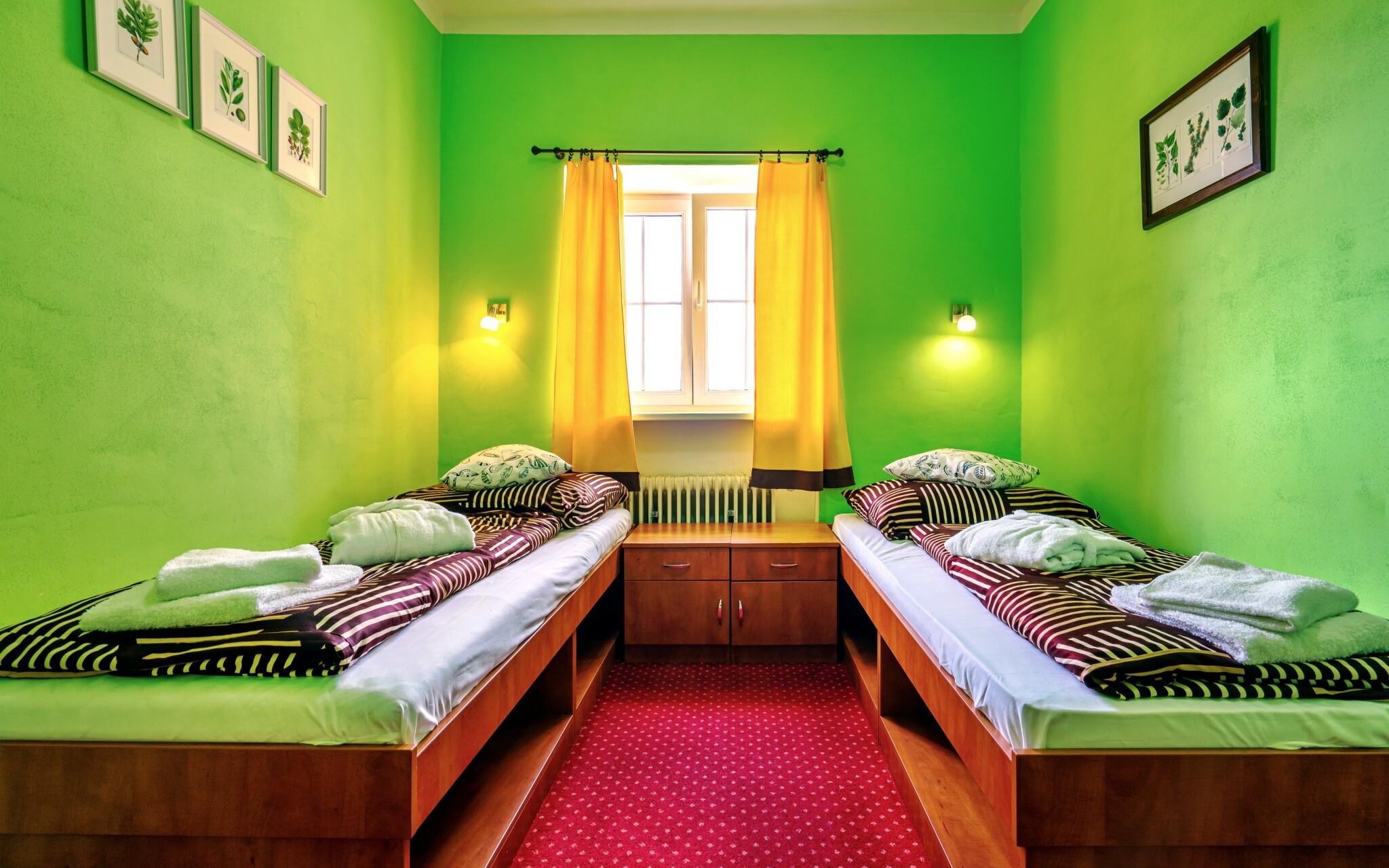 Pokoje jsou příjemně a útulně zařízeny
