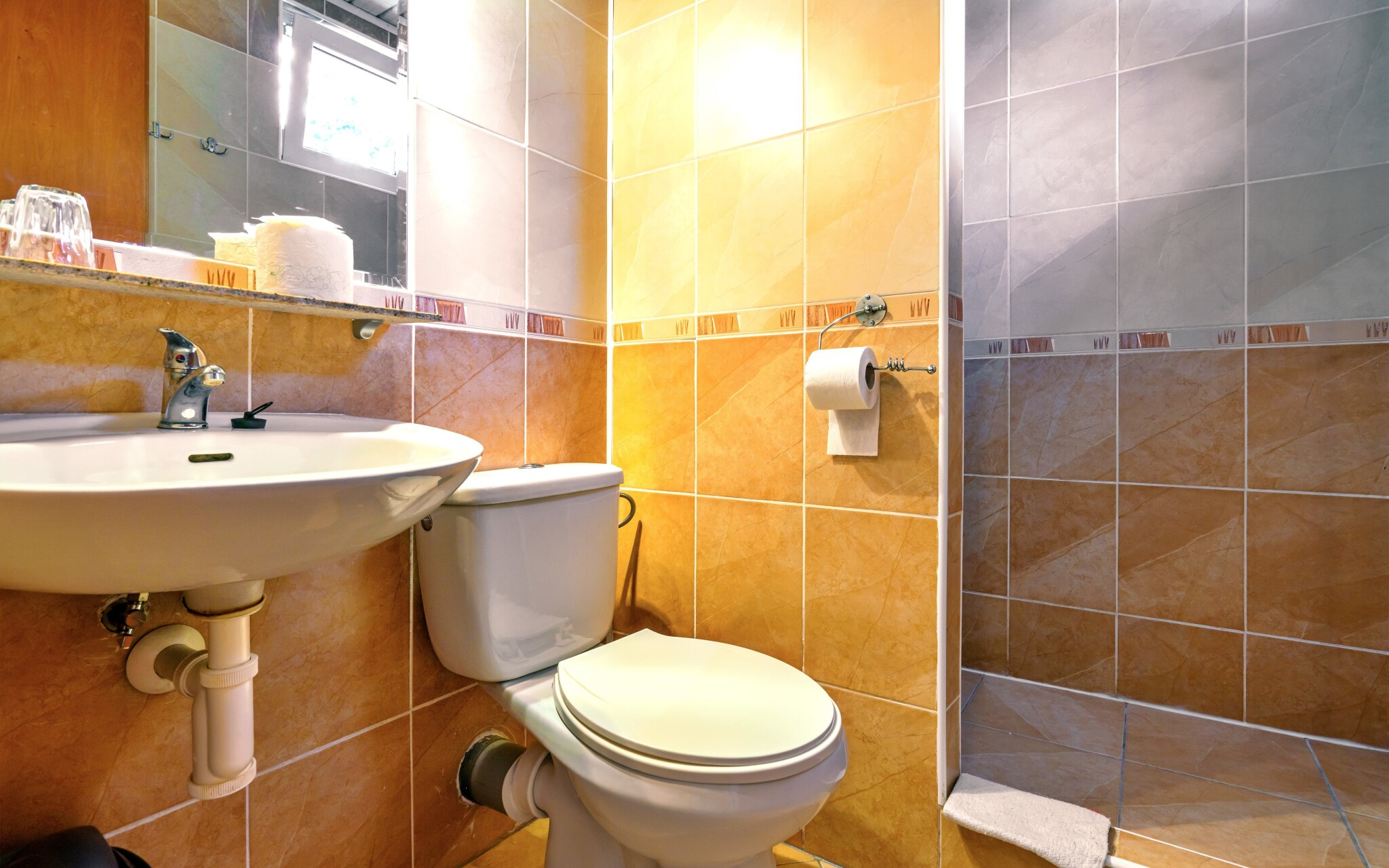 Samozrejmosťou je vlastná kúpeľňa, Penzión Quatro IV.