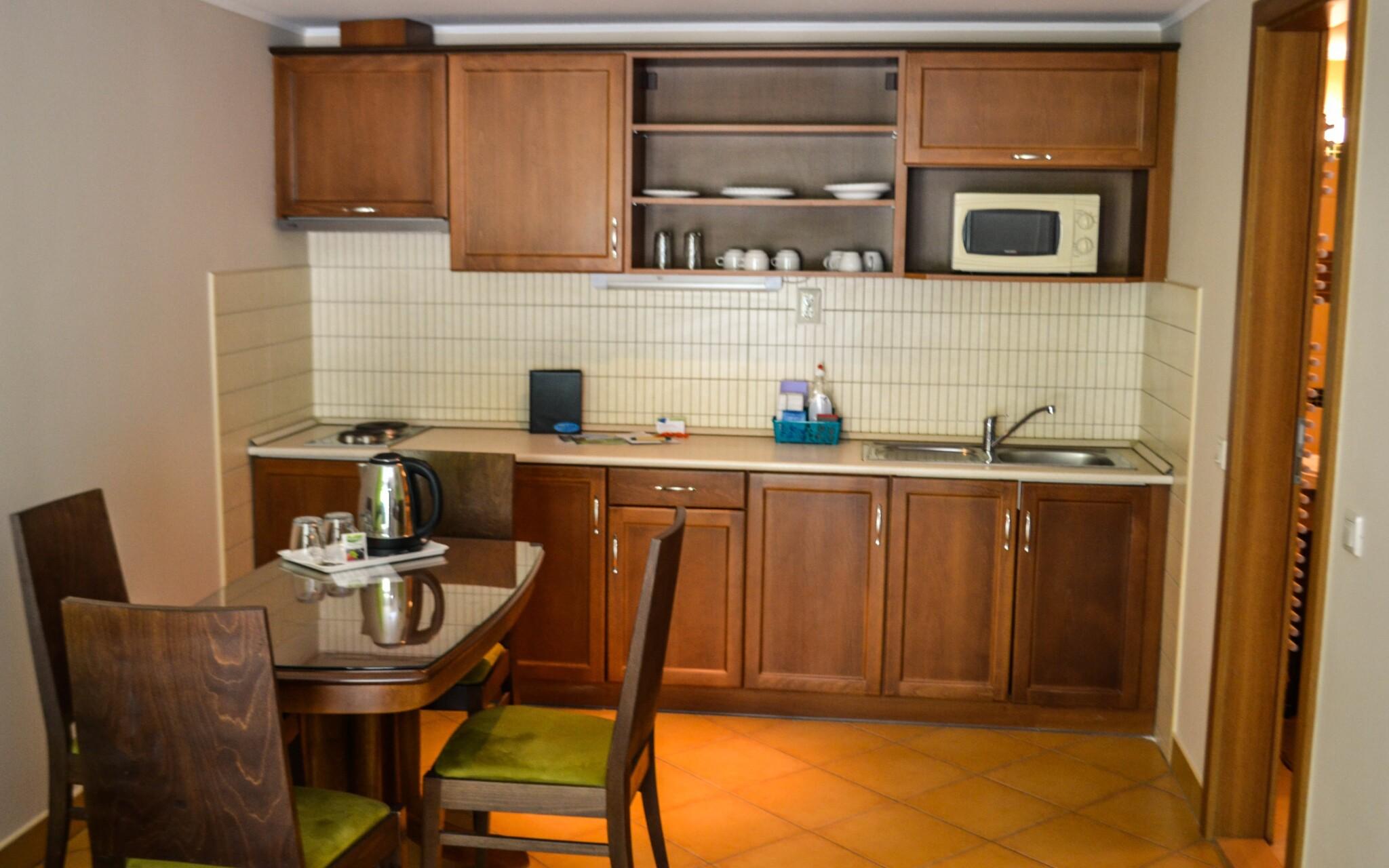 Pokoje jsou komfortně zařízené a barevně sladěné