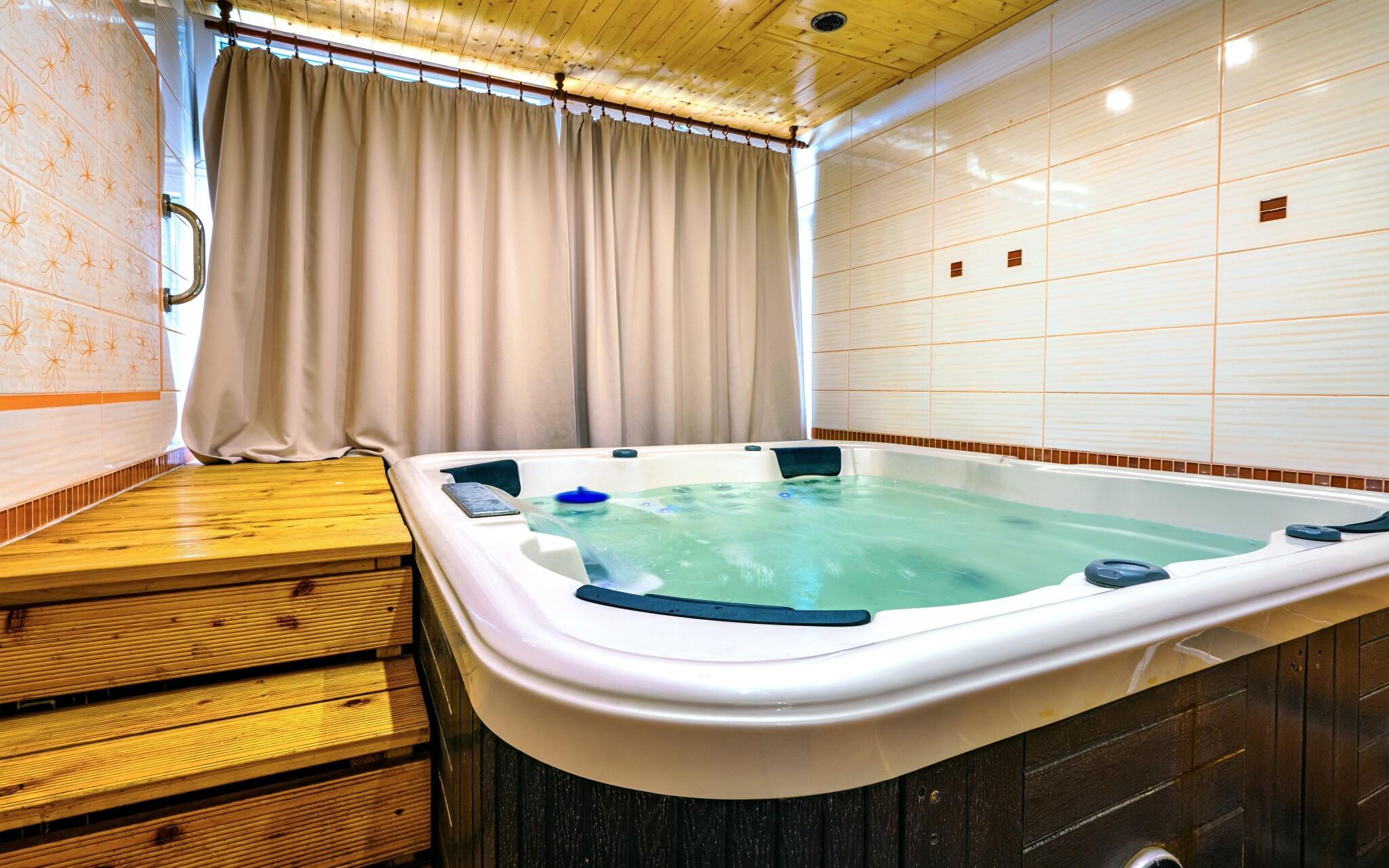 Užijte si wellness s vířivkou a saunou