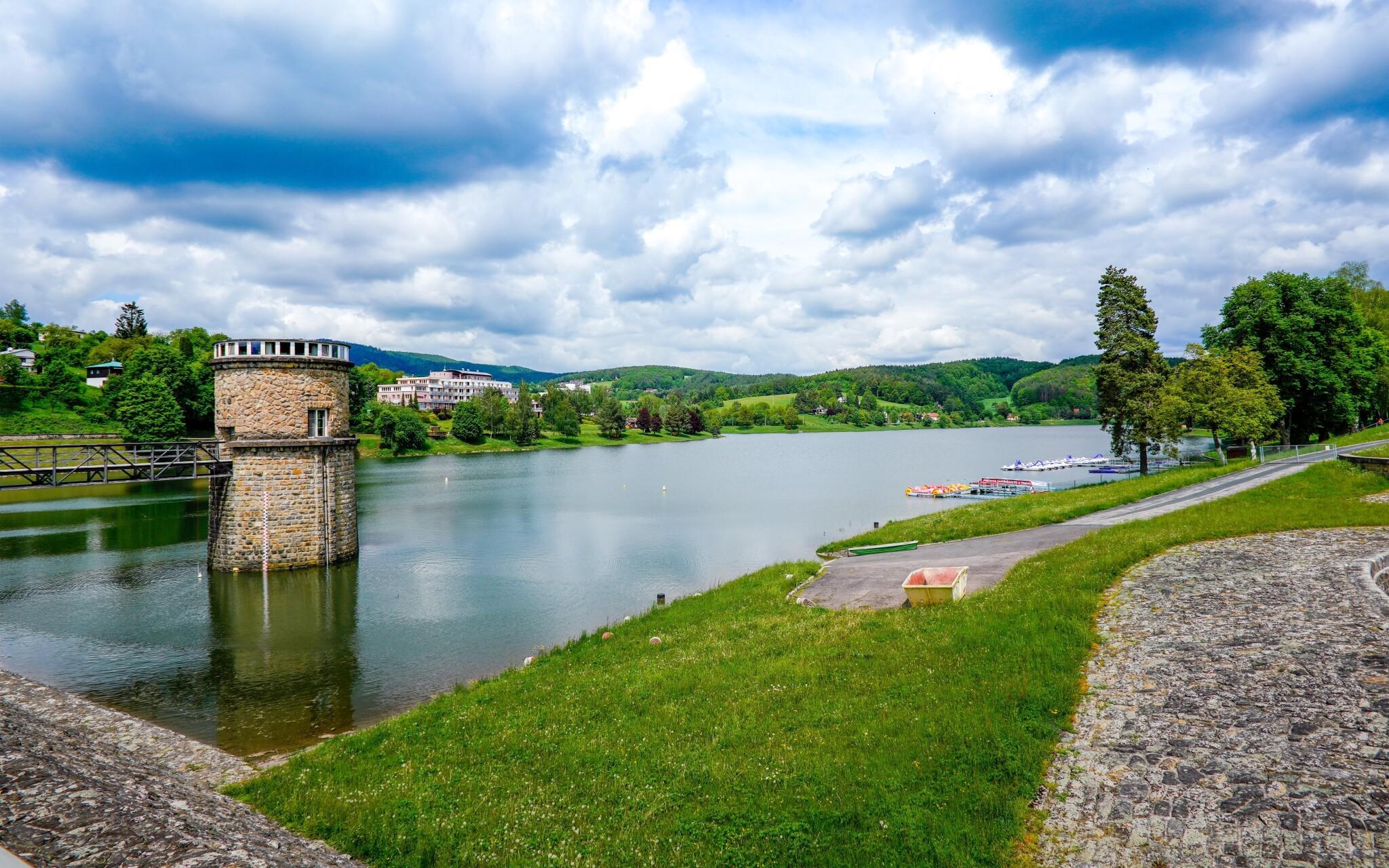 Projděte se až k přehradě v Luhačovicích