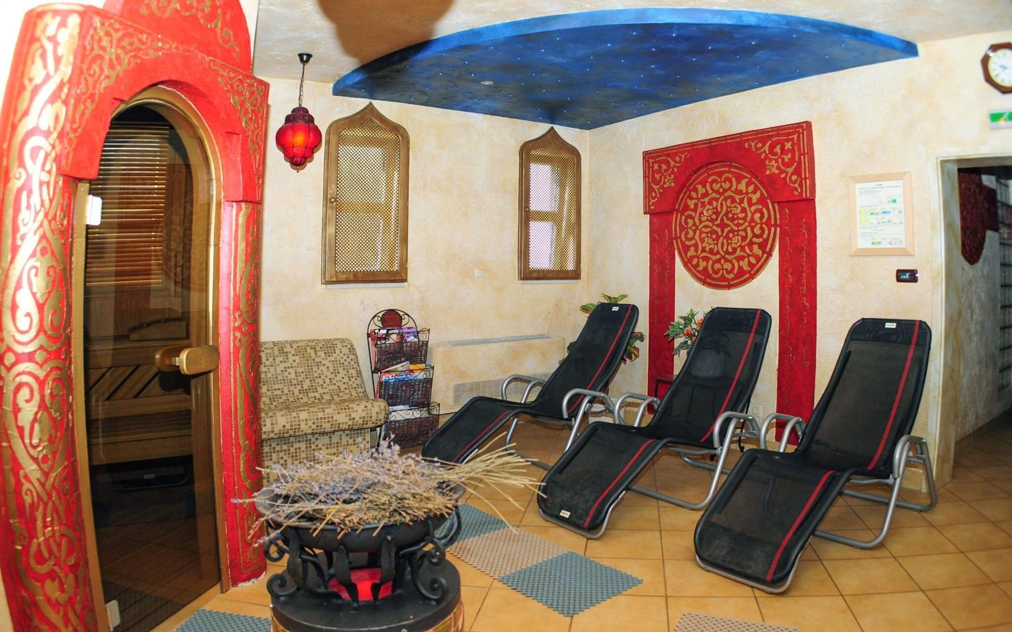 Wellness, relaxační lehátka, Hotel Villa Classica ****, Pápa