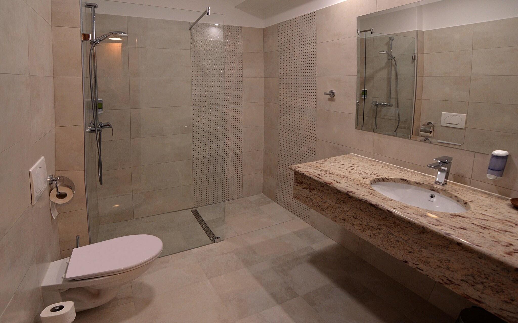 Pokoje mají koupelnu, Hotel Villa Classica ****, Pápa
