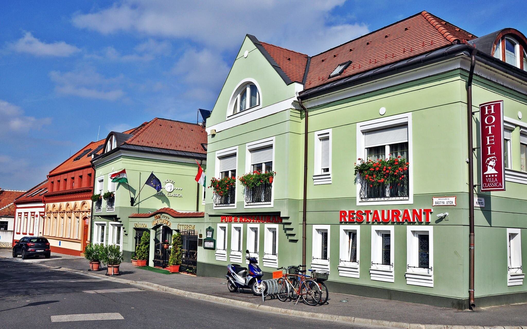 Hotel Villa Classica **** najdete v centru města Pápa