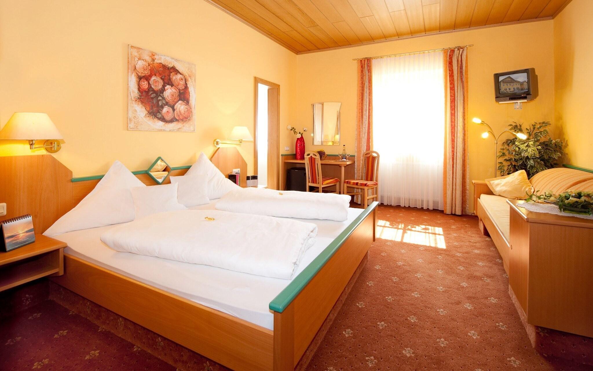 Pokoj, Hotel Rösslwirt ***, Lam, Bavorský les, Německo