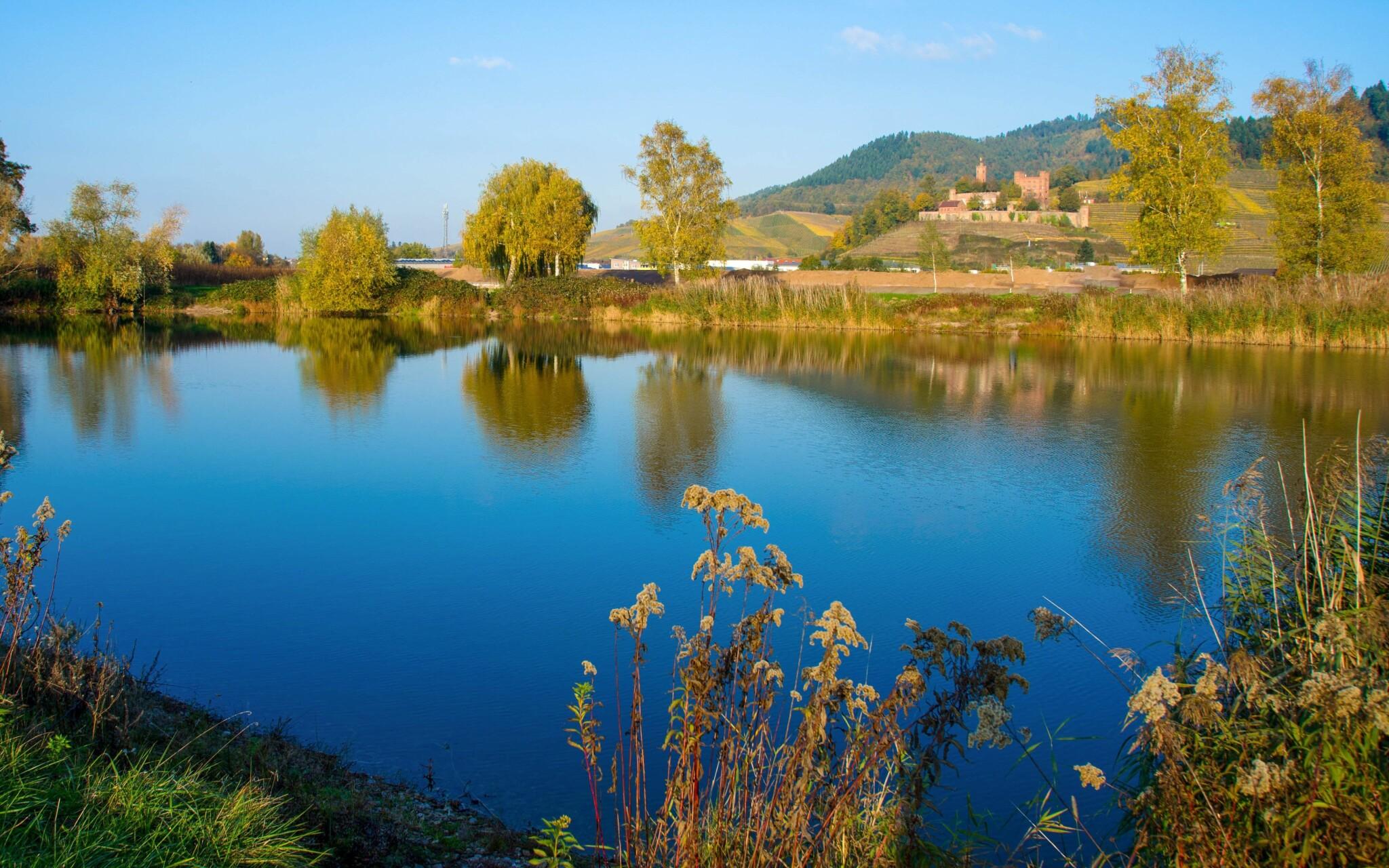 V okolí je veľa pamiatok a krásnej prírody