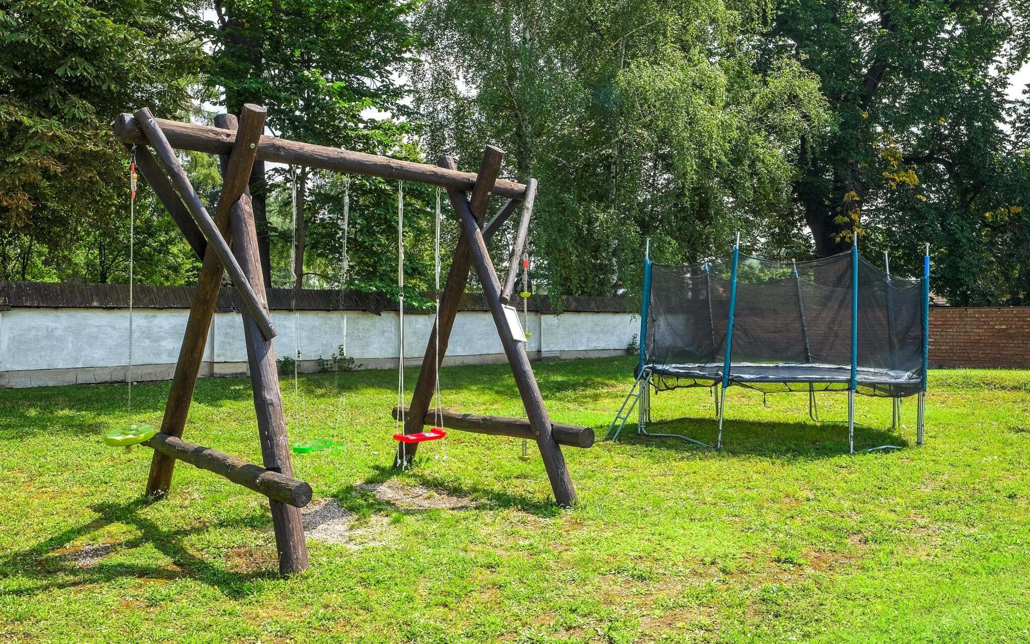 Dětské hřiště, Penzion Agrothermal Bešeňová, Slovensko