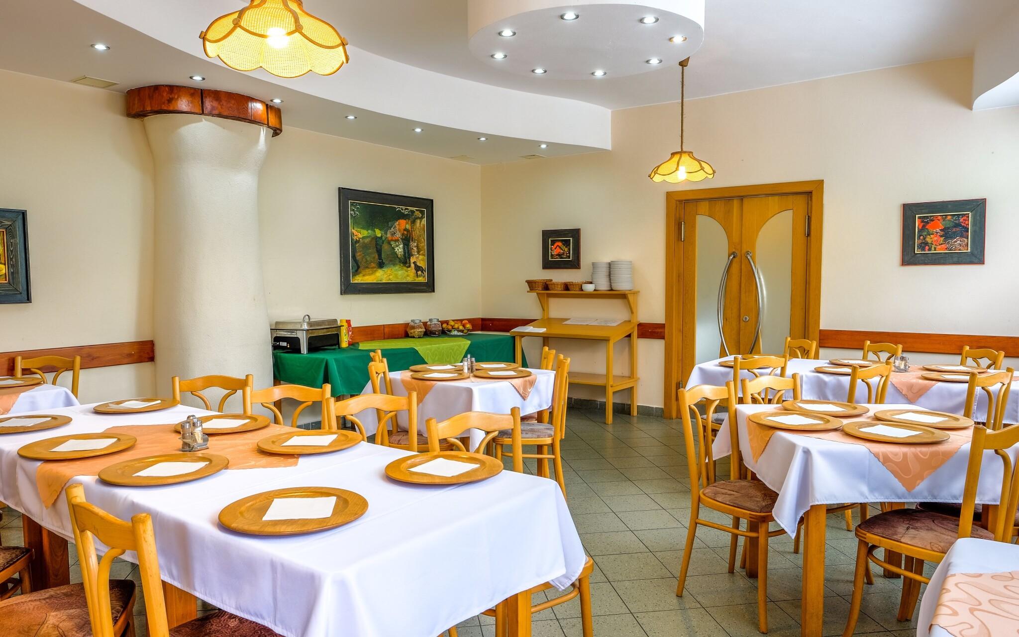 V restauraci si pochutnáte, Penzion Agrothermal Bešeňová