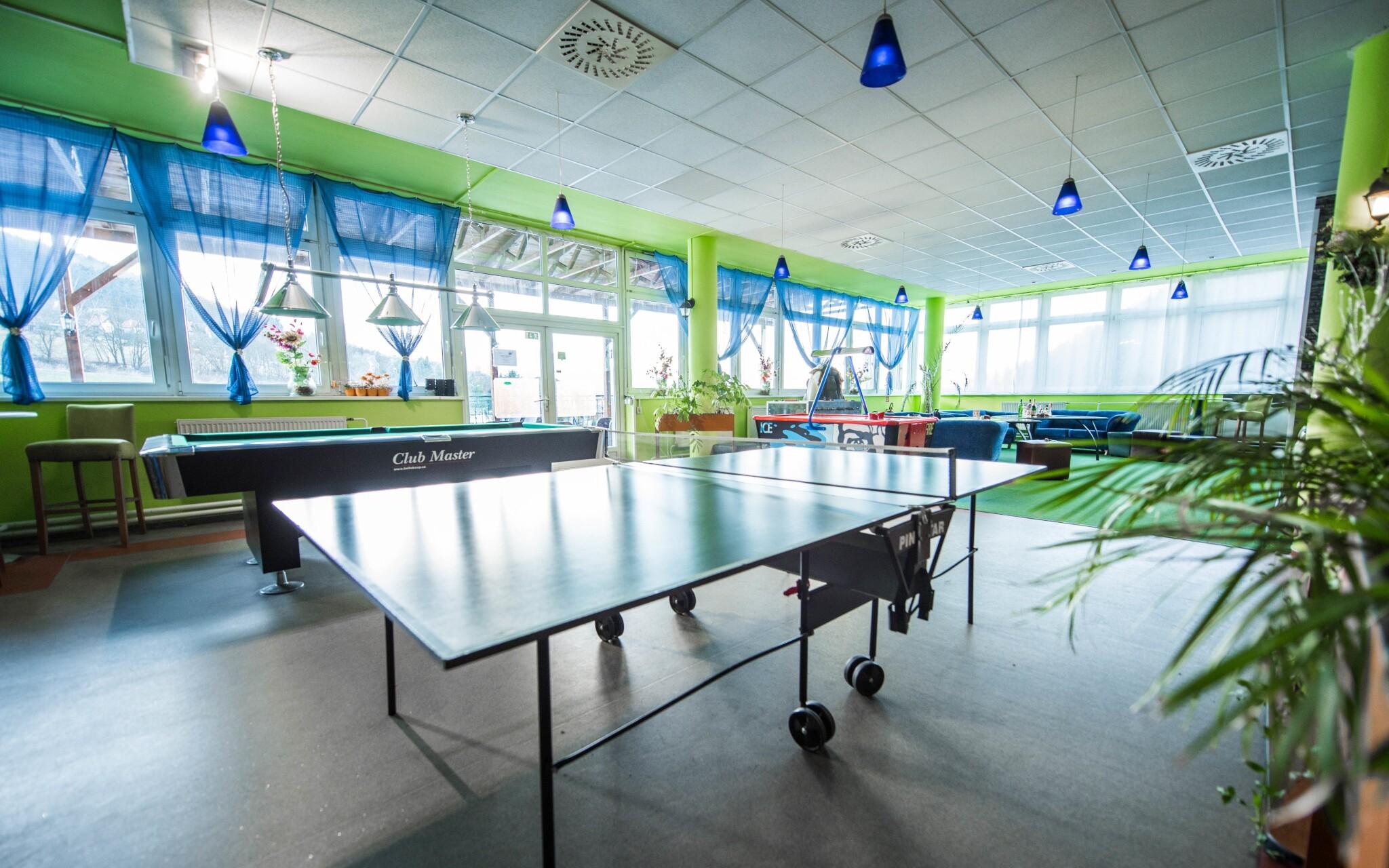 Pre hostí je tu tiež stolný tenis