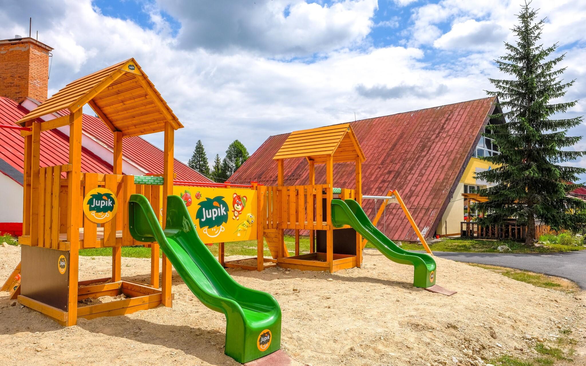 Líbit se tu bude také dětem - dětské hřiště