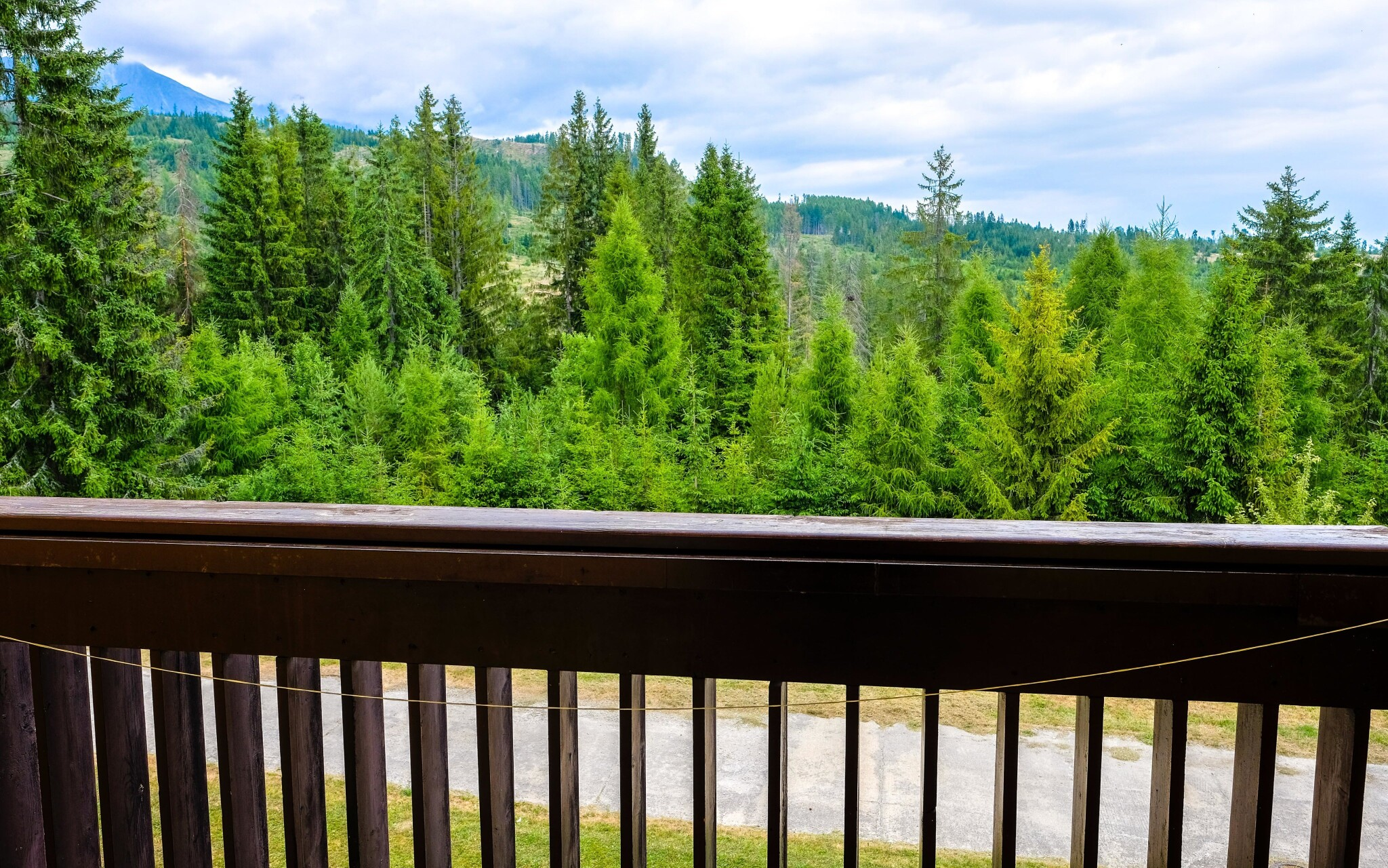Užijte si parádní výhled z balkónu, Hotel Rysy