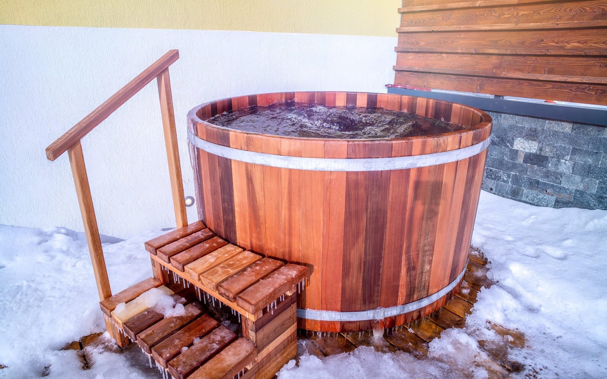 Vonkajšia vírivka vo wellness Hotela Lesana *** Vysoké Tatry