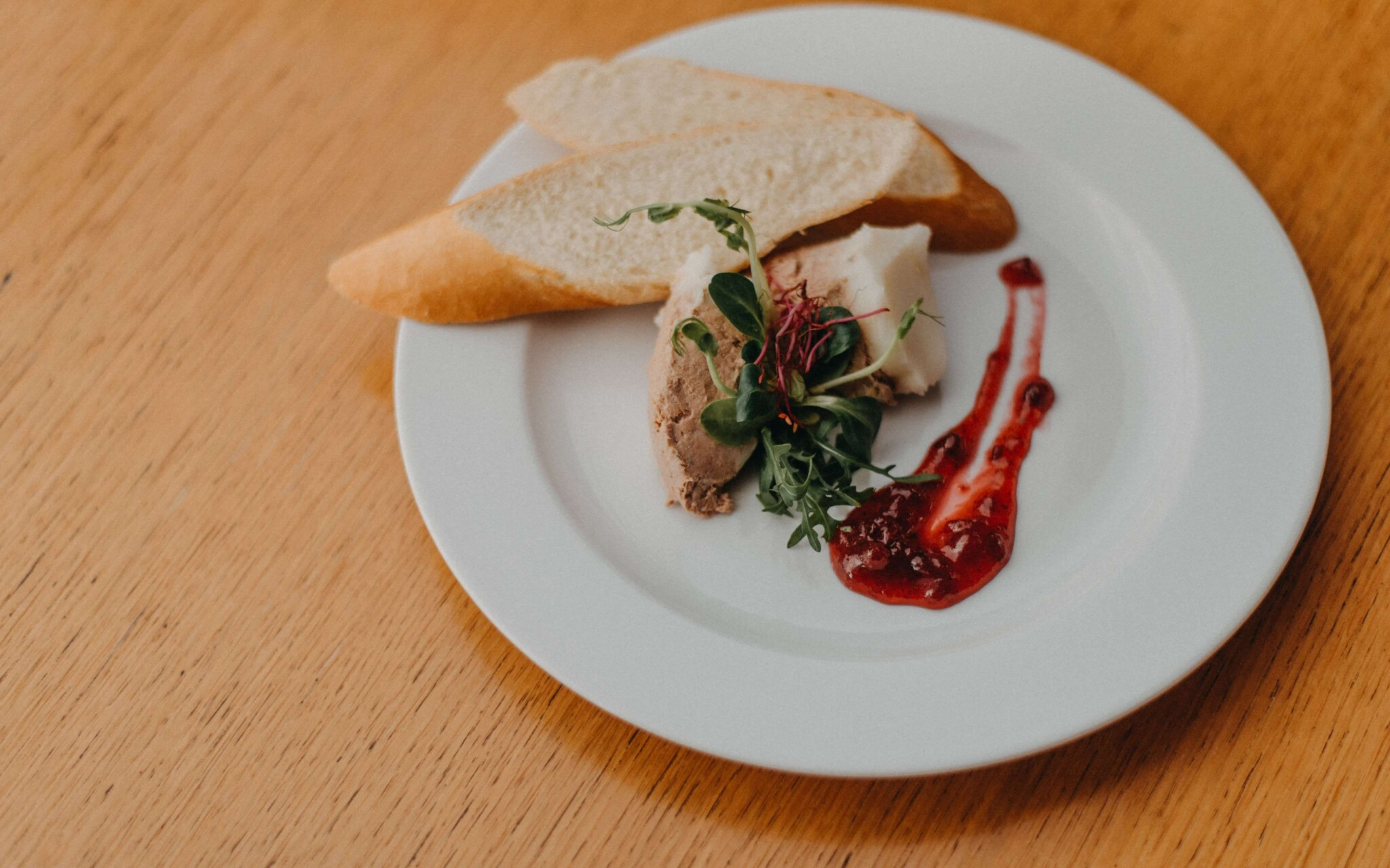 Restaurace Červený Mlýn Tišnov *** vaří z místních surovin
