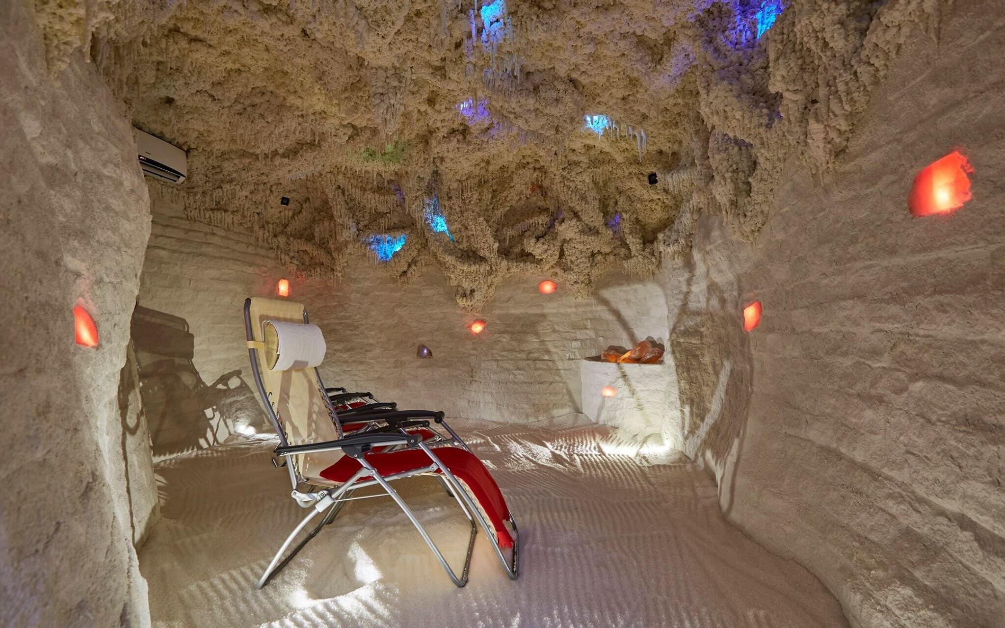 Najdete tu i solnou jeskyni