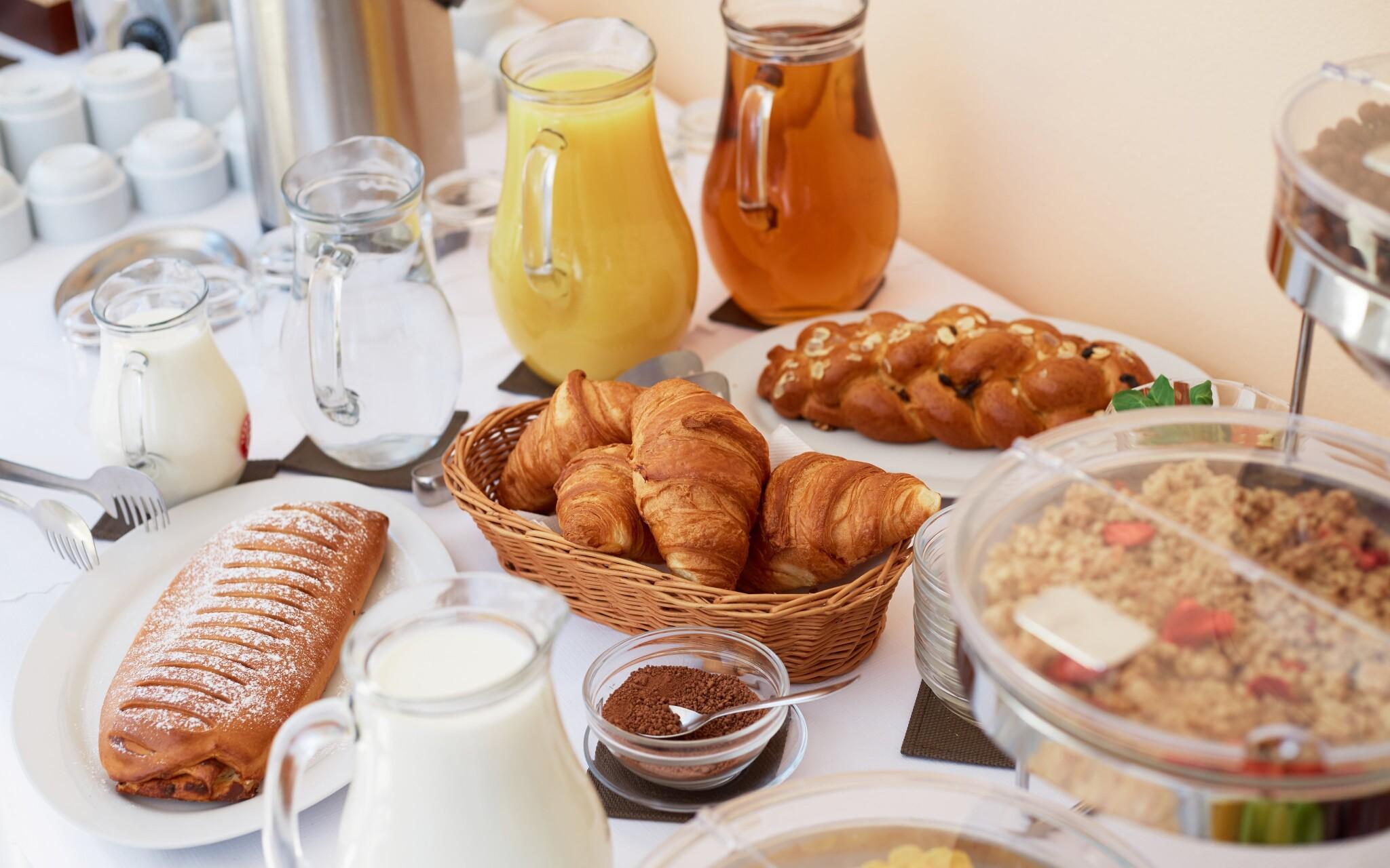 Vychutnejte si skvělé snídaně formou bufetu, Hotel Javorník