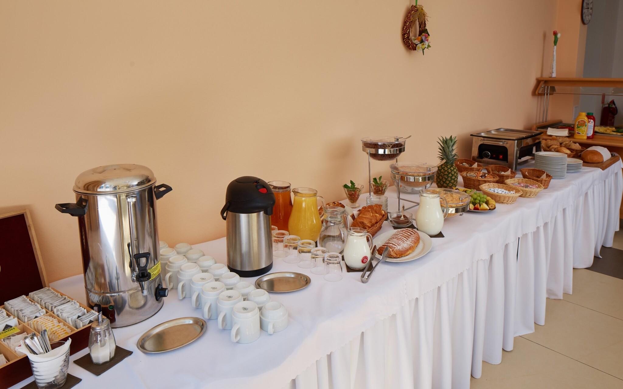Čekají vás vydatné snídaně a chutné večeře, Hotel Javorník
