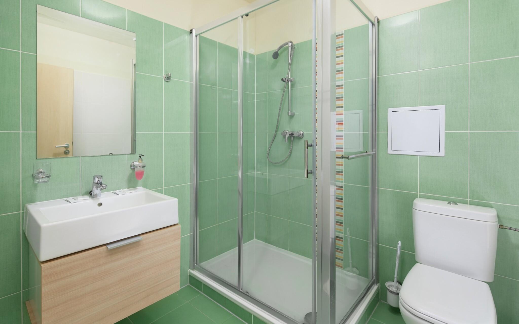 Součástí pokojů je vlastní koupelna, Hotel Javorník ***