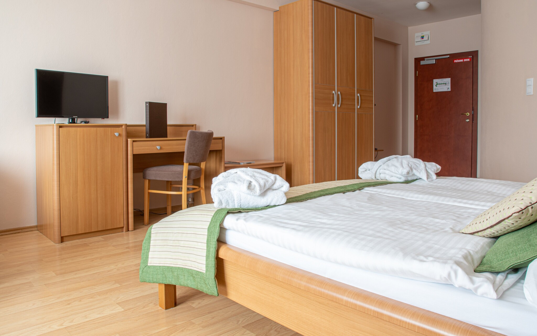 Pokoj Standard, Wellness hotel Patince ****, termální lázně