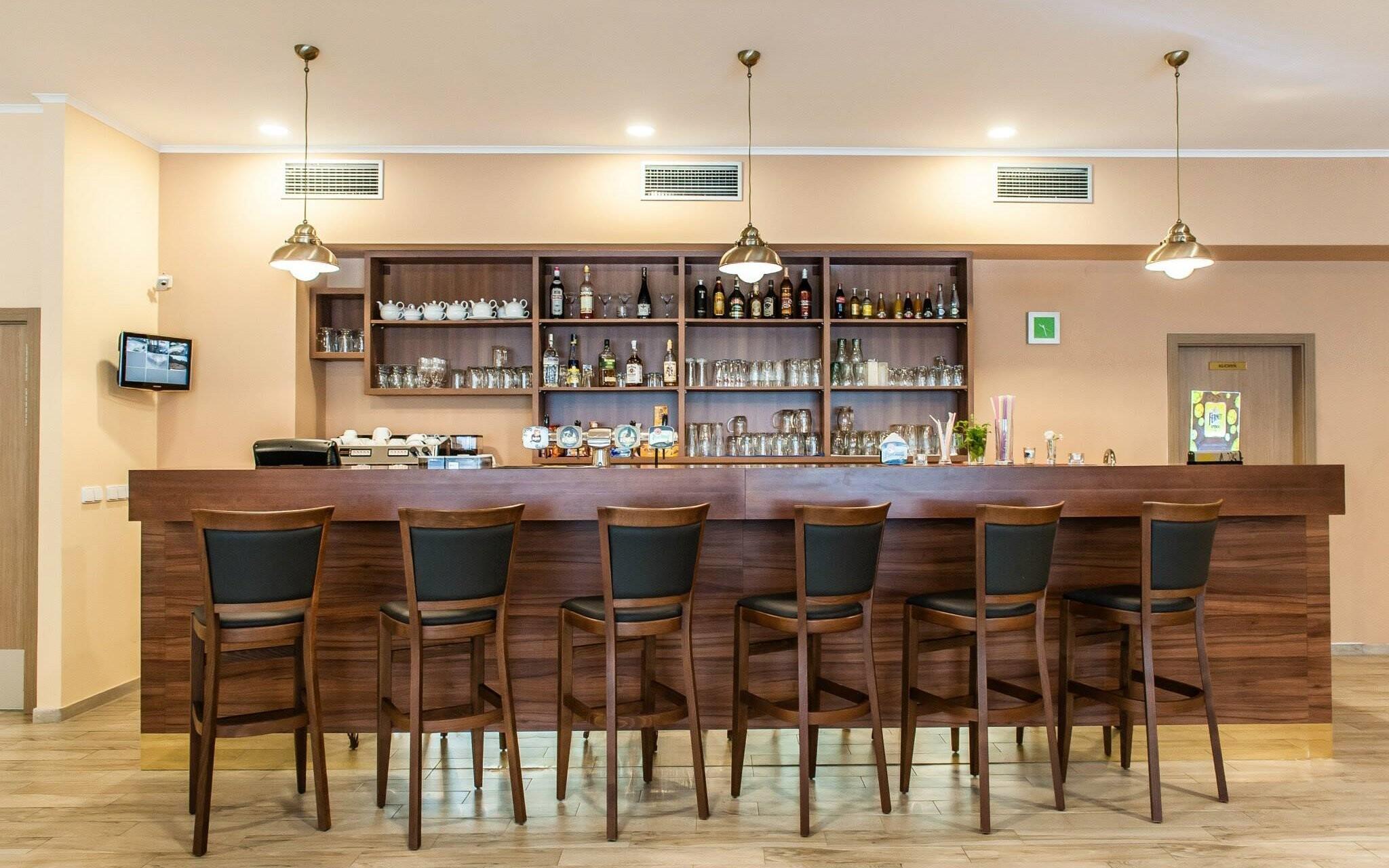 Na pohárik môžete zájsť do hotelového baru