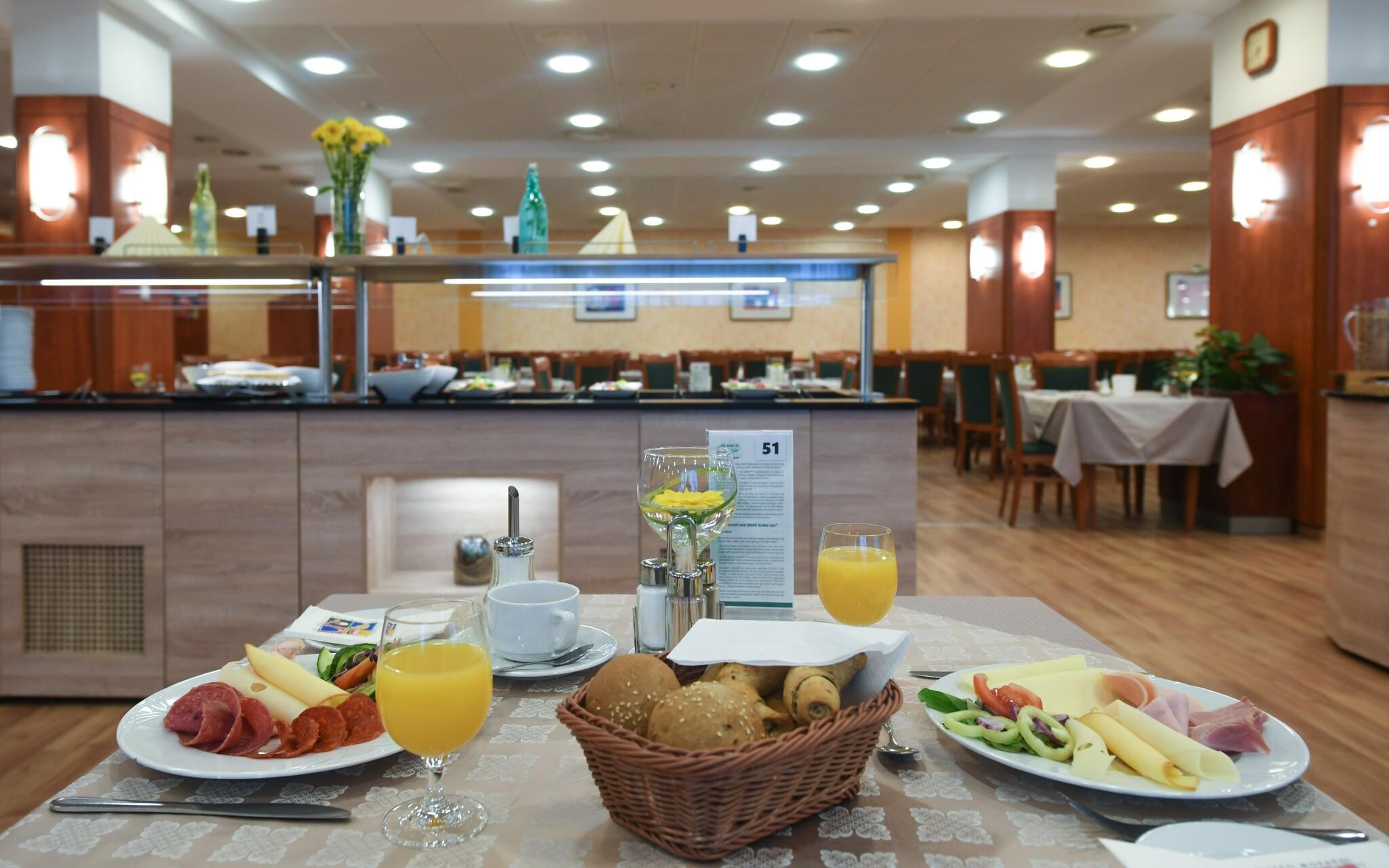Polopenze v restauraci, Hunguest Hotel Répce GOLD ****