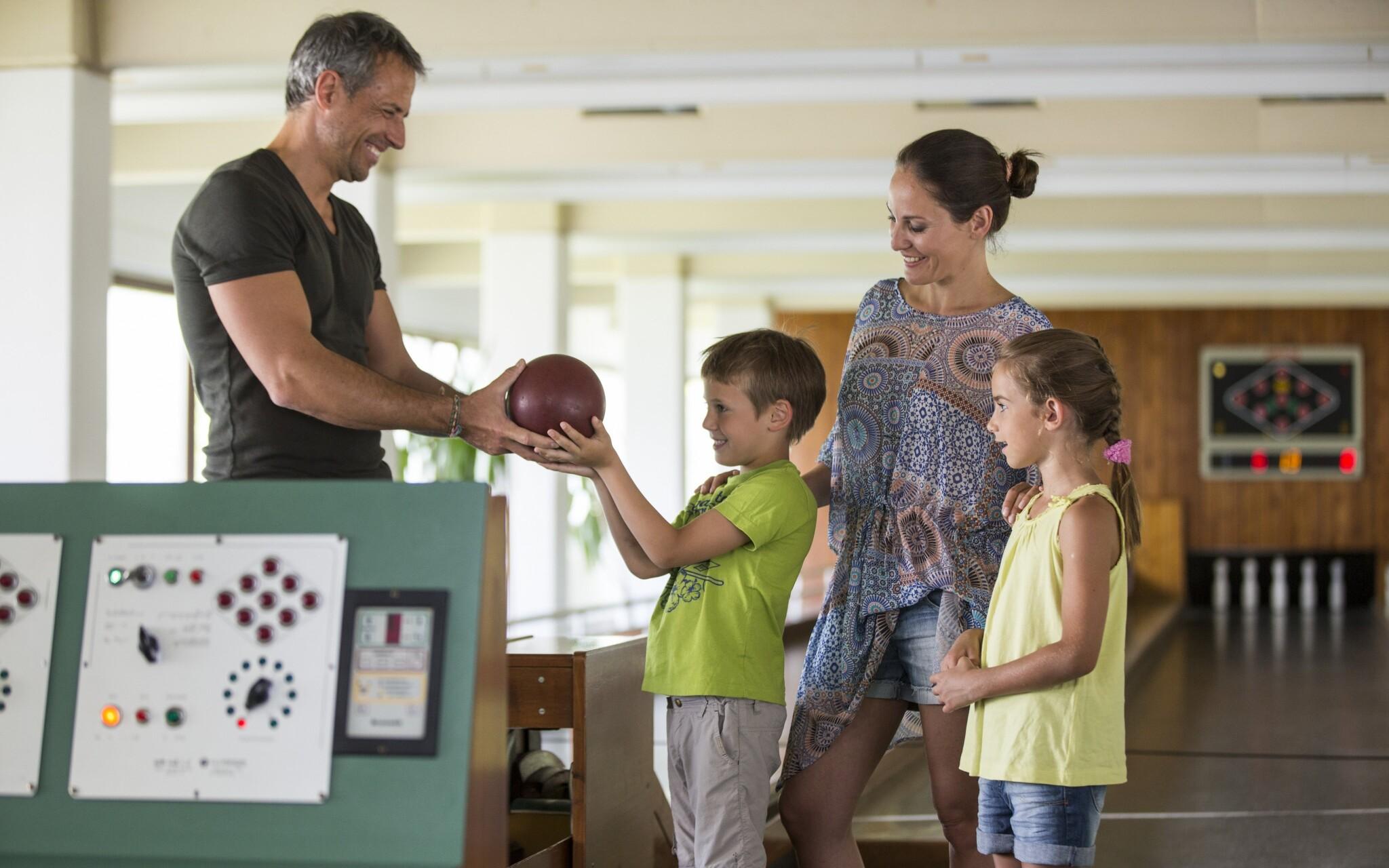 Bowling, vyžitie, deti, Danubius Hotel Marina, Balaton