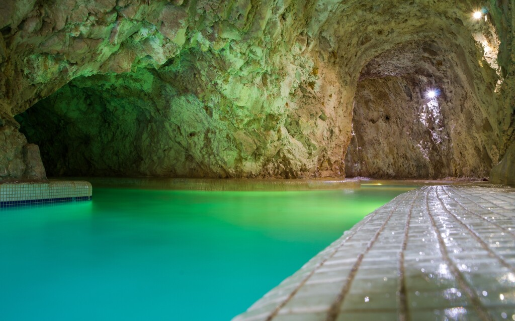 Kúpele Miskolc Tapolca stoja za návštevu