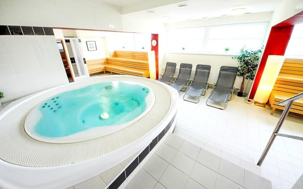 Využít můžete vířivou vanu v relaxační zóně