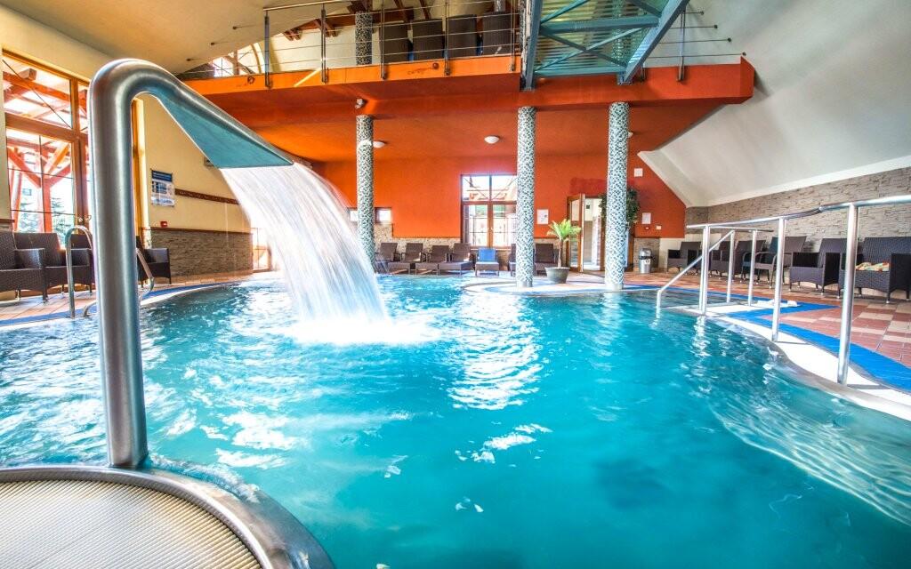Uvolníte se v bazénech a vířivkách