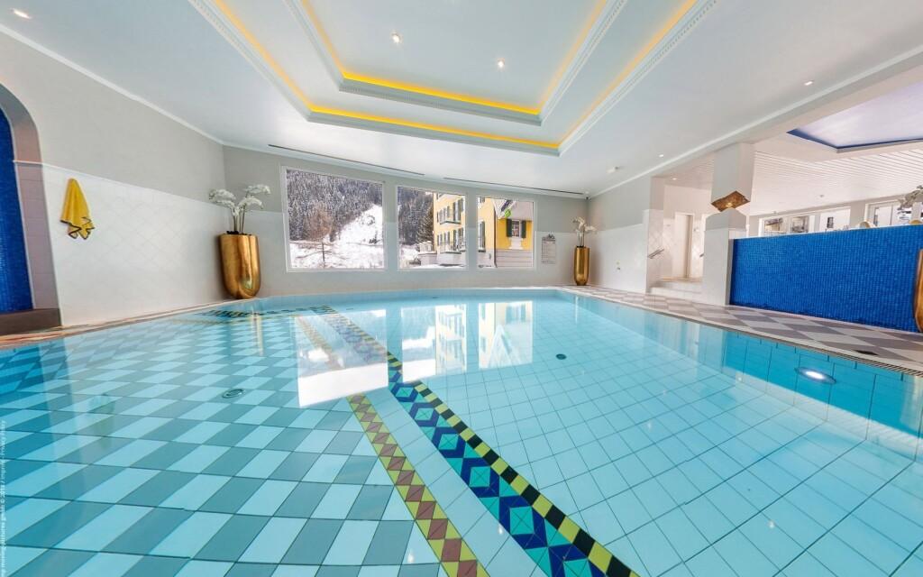 Bazén ve wellness Aparthotelu Bellevue **** Bad Gastein