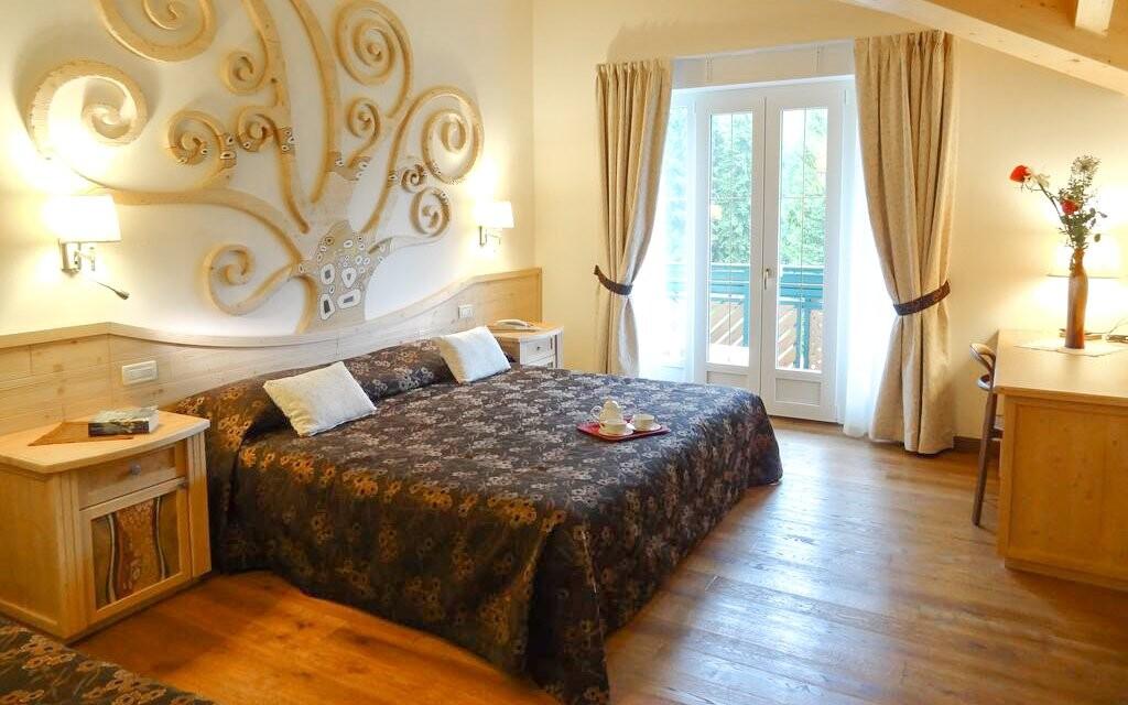 Dvoulůžkový pokoj, Hotel alle Dolomiti ****, Itálie